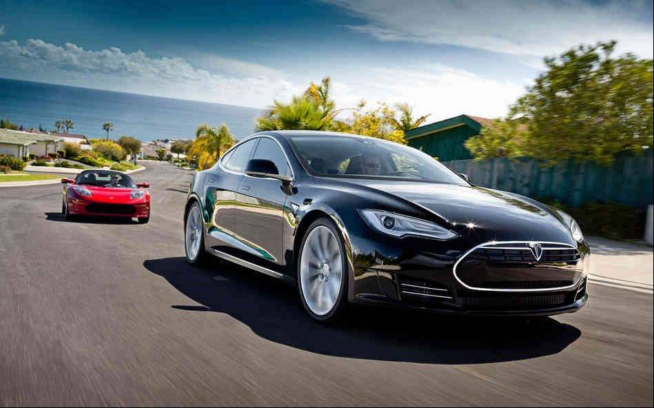 "Tesla Motors has announced a $121,000 sticker price for its Model S electric sedan in China, and called it a ""big risk"" because the company could charge twice as much."
