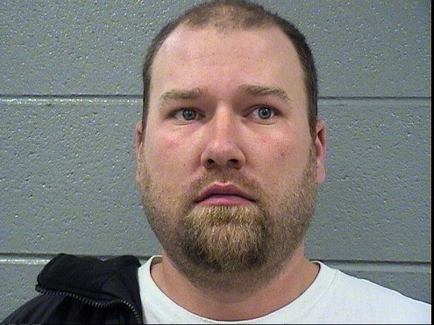 Buffalo Grove man charged with soliciting sex from minor