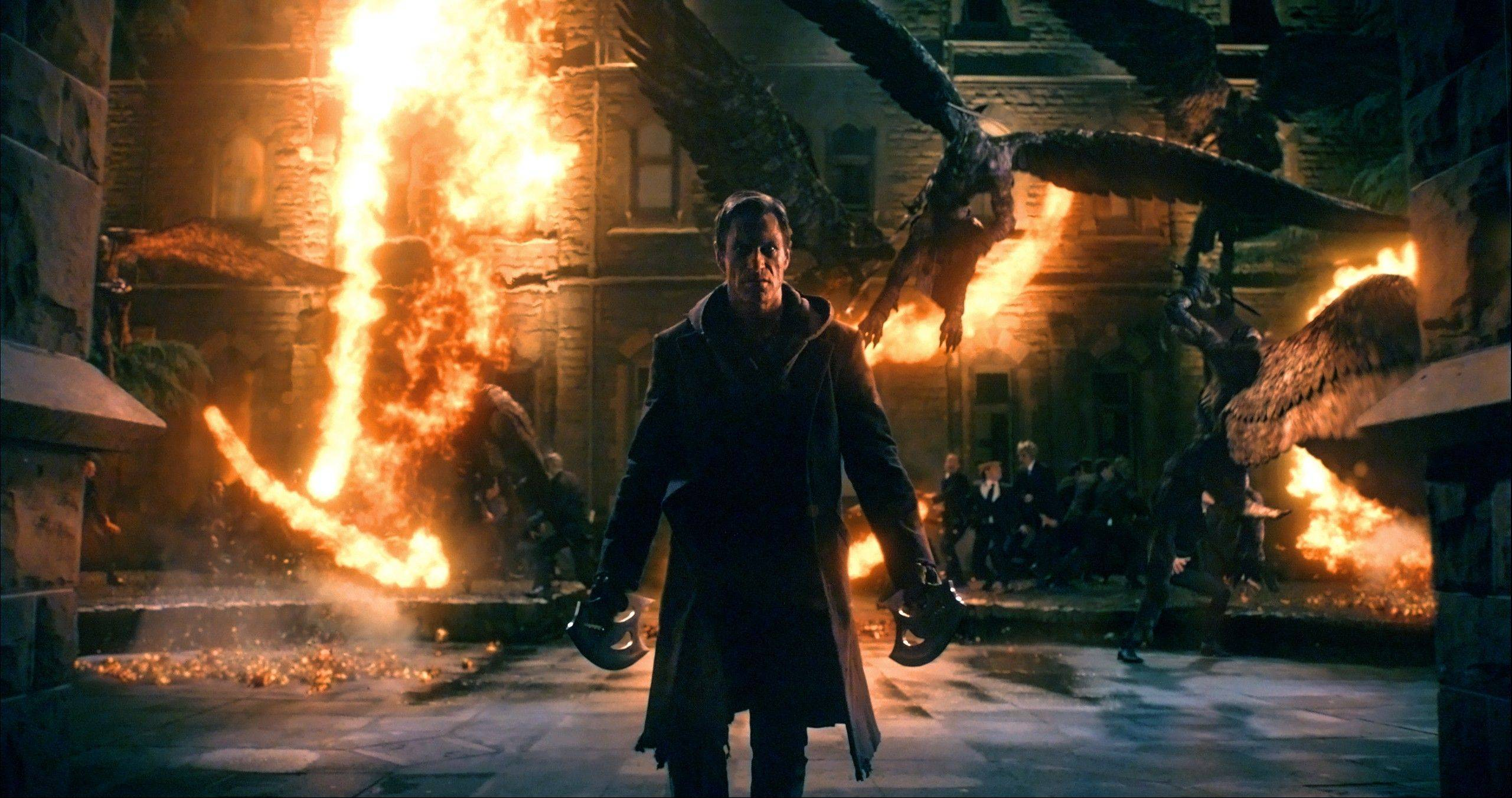"Aaron Eckhart prepares for battle in ""I, Frankenstein."""