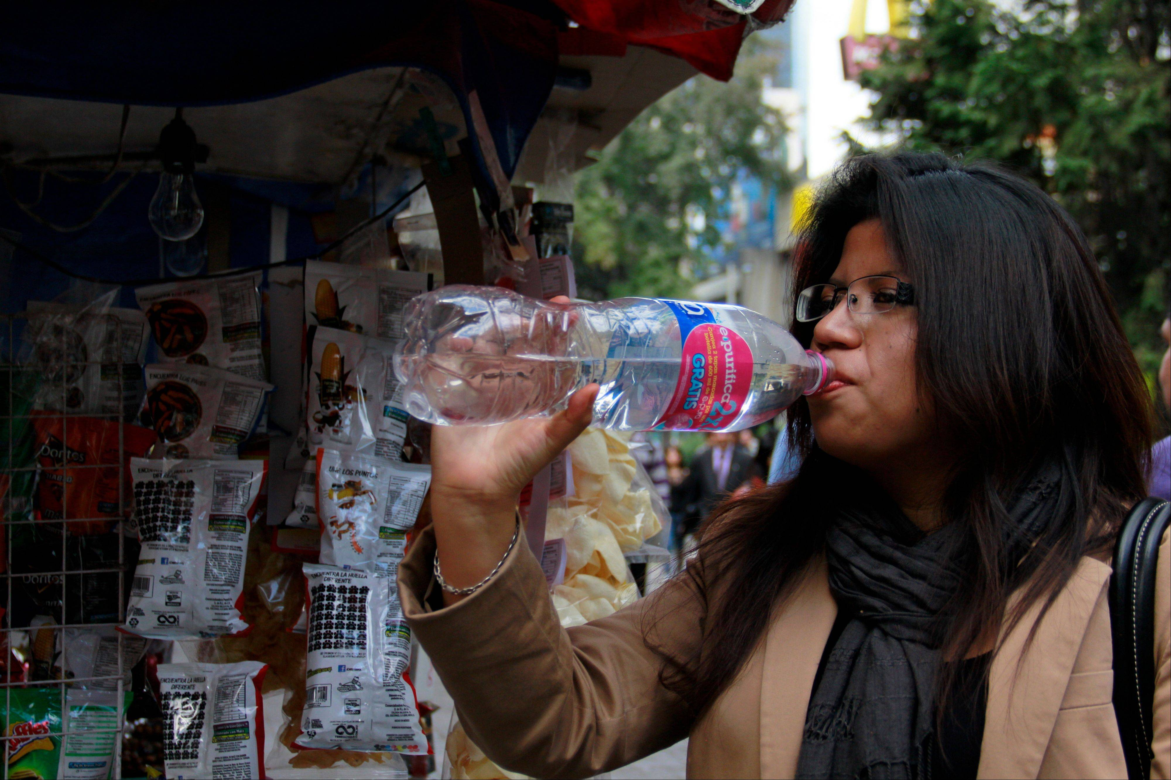Bad tap water accounts in part for Mexico being the highest consumer of bottled water and sweetened drinks. A law recently approved by Mexico City�s legislators will require all restaurants to install filters, offering patrons free, apparently drinkable potable water that won�t lead to stomach problems and other ailments.