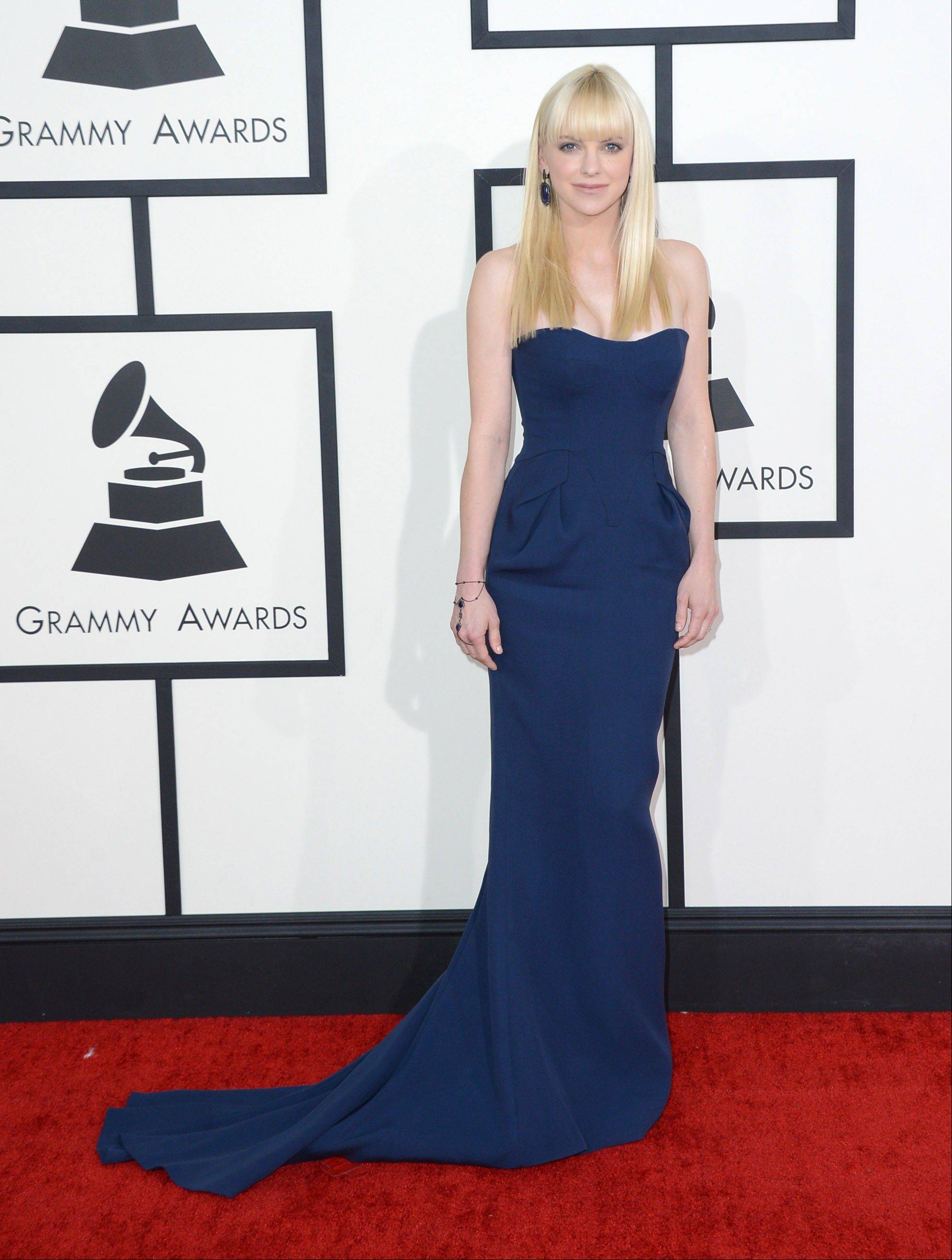 Anna Faris arrives at the 56th annual Grammy Awards at Staples Center on Sunday.