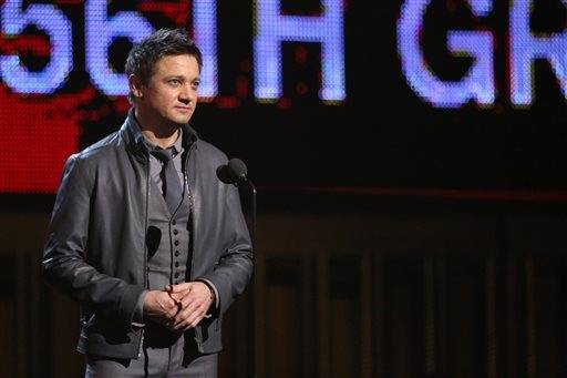 Jeremy Renner introduces a performance by Willie Nelson, Kris Kristofferson, Merle Haggard and Blake Shelton.