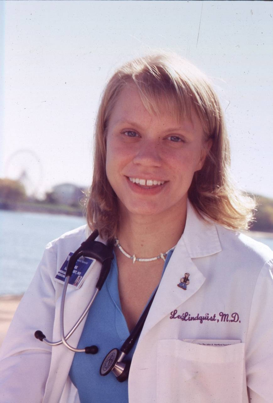 Dr Lee Lindquist