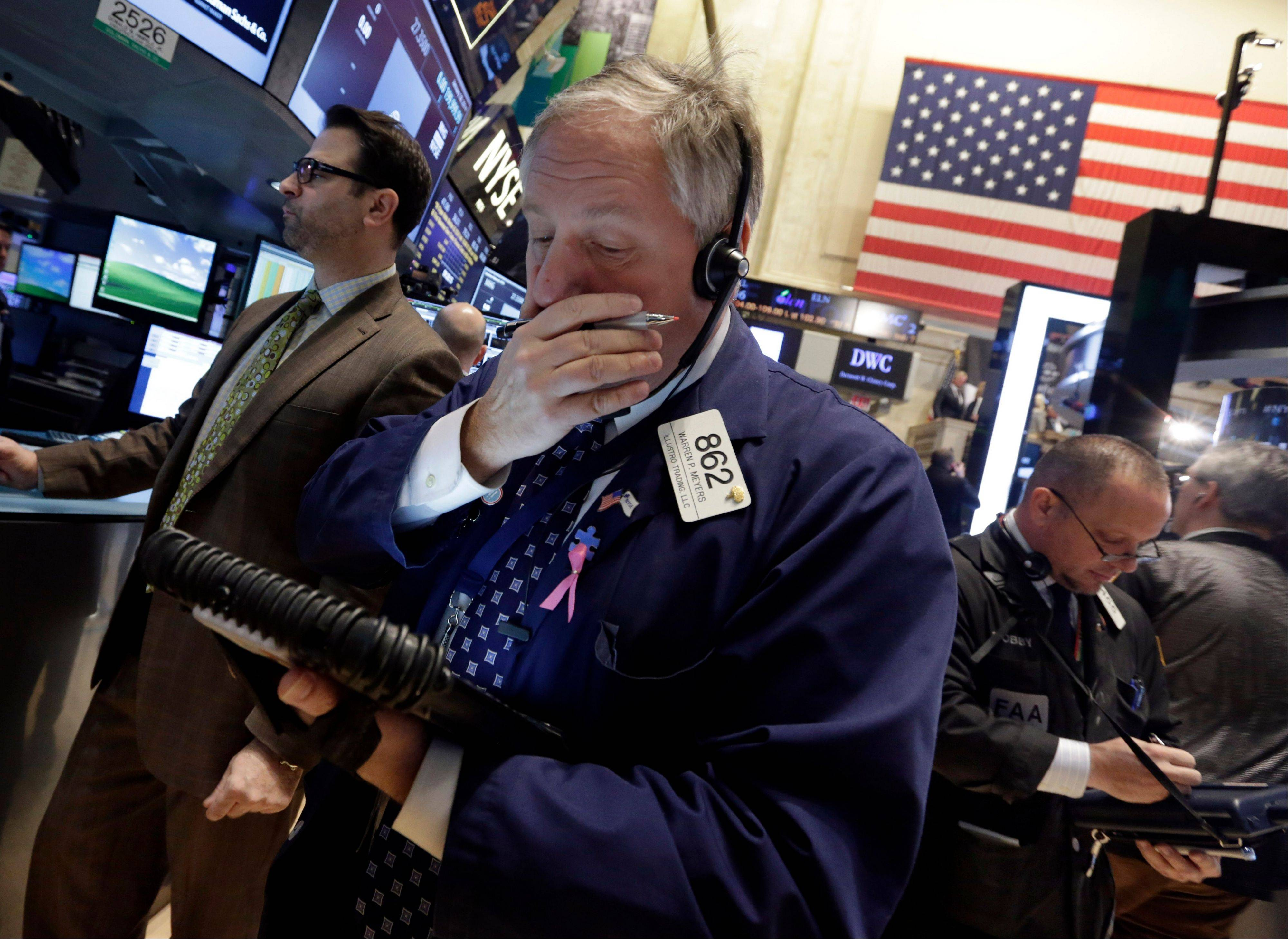U.S. stocks rose Tuesday, with the Standard & Poor�s 500 Index rebounding from its worst slump since June, as earnings at companies from Pfizer Inc. to D.R. Horton Inc. topped estimates and consumer confidence increased ahead of a Federal Reserve policy meeting.