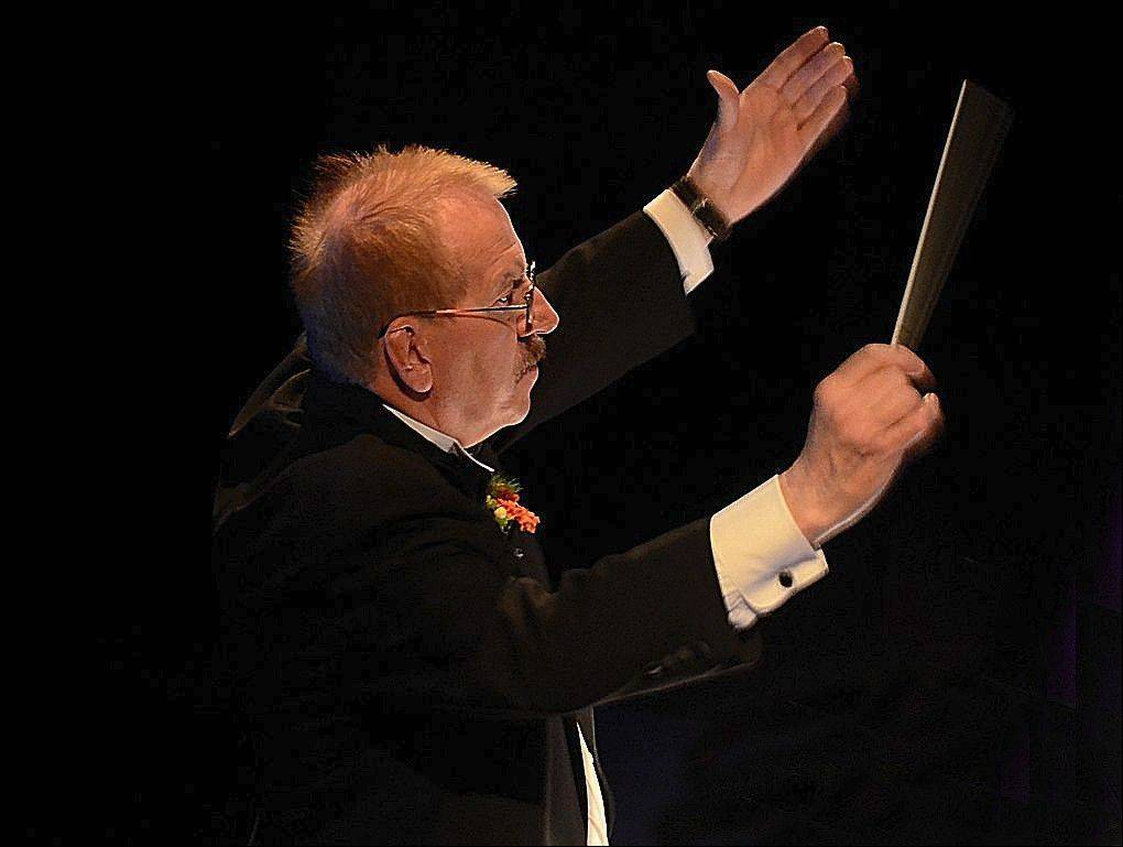 Lawrence J. Carle, founding conductor and music director of the Des Plaines Park District Community Concert Band, retires after 30 years on the podium.