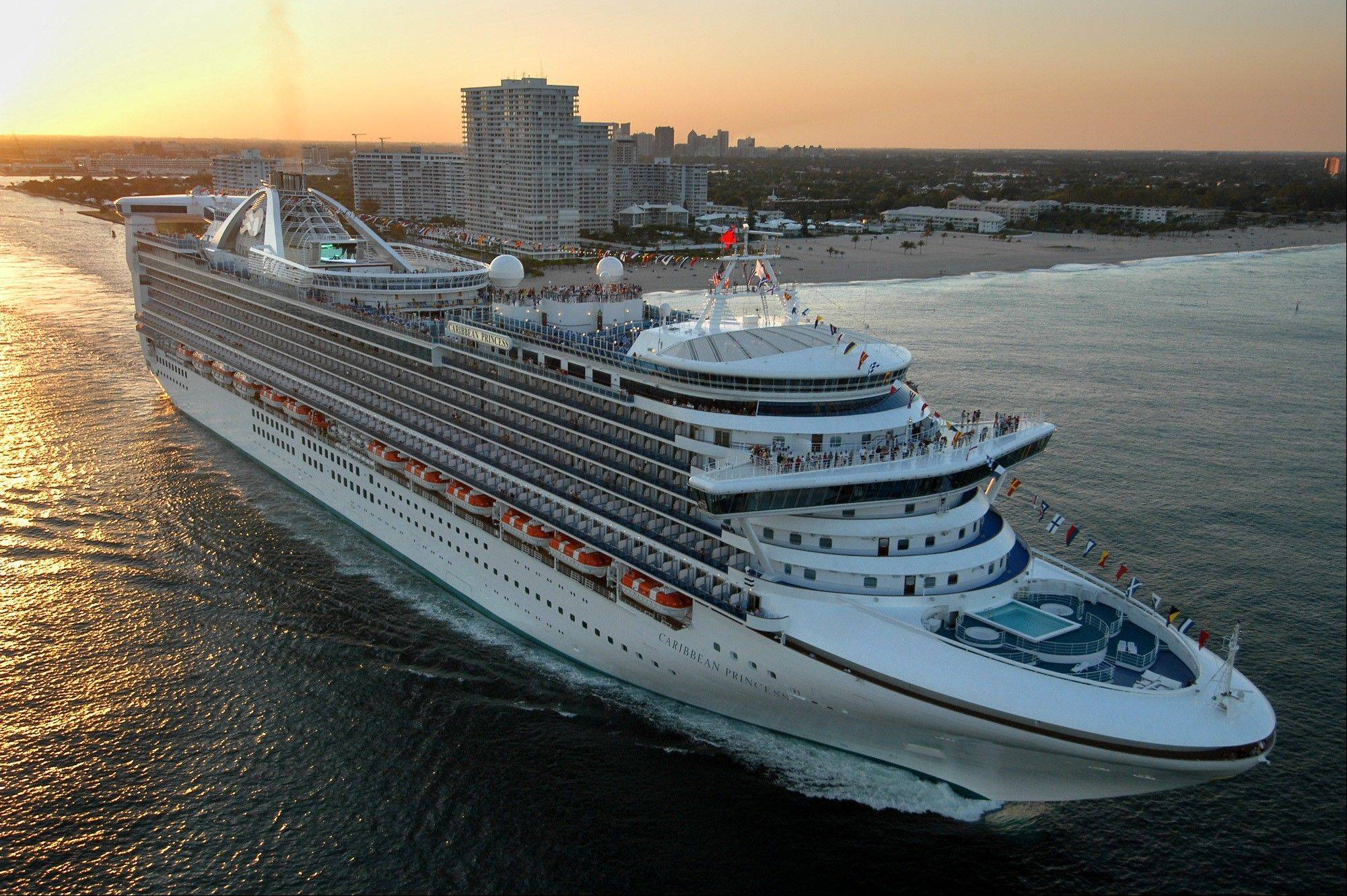 Federal health officials are investigating after an outbreak of illness has caused Caribbean Princess cruise ship to ends its trip early and returned to port in Houston late Thursday, Jan. 30, 2014 more than a day ahead of schedule after more than 170 passengers and crew members aboard became sick.