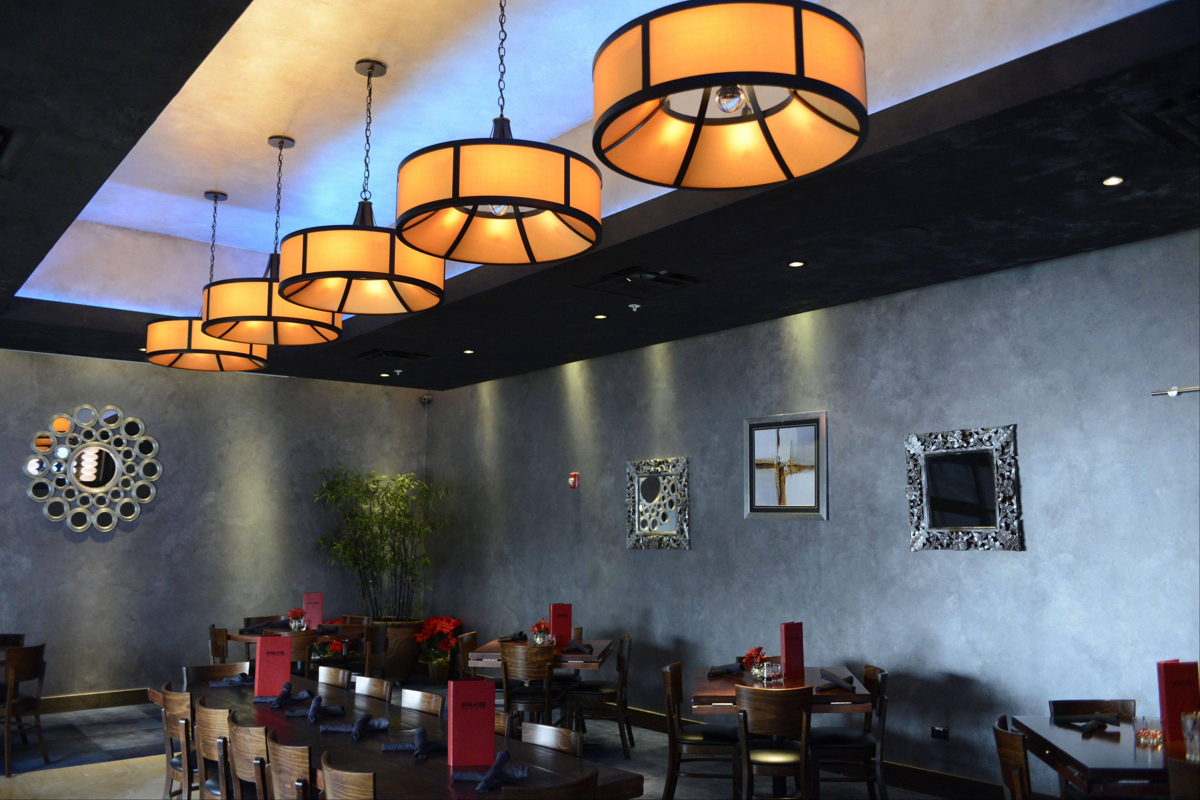 A private dining room is avalaible for larger parties at Wok'n Fire in South Barrington.