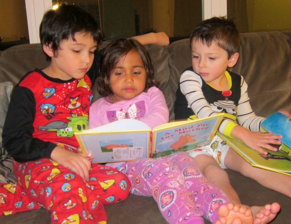 Reading together as a family is one of the best way to encourage language and literacy development in children!
