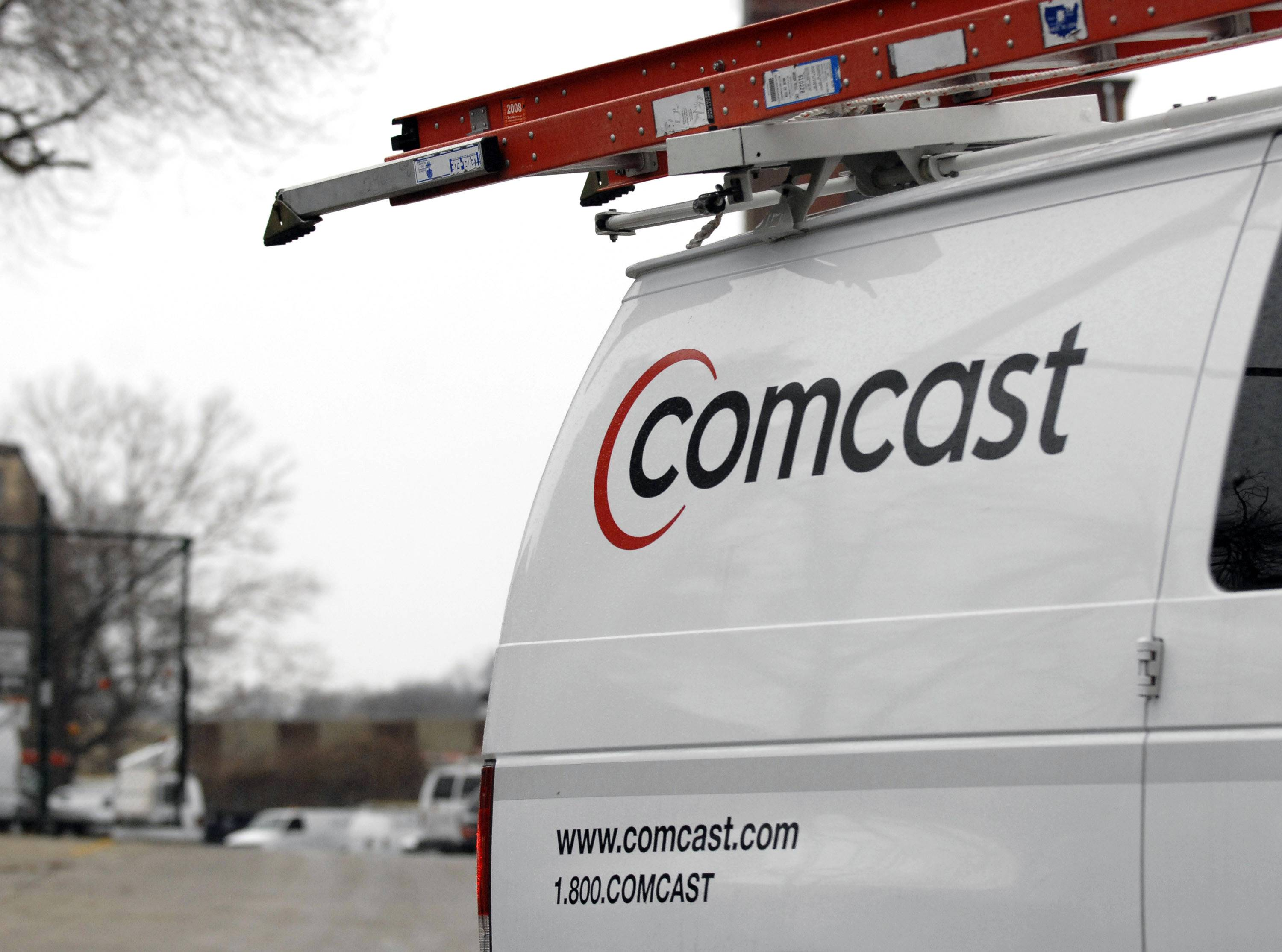 Comcast Corp. has agreed to acquire Time Warner Cable Inc., combining the largest two U.S. cable companies, according to four people familiar with matter.