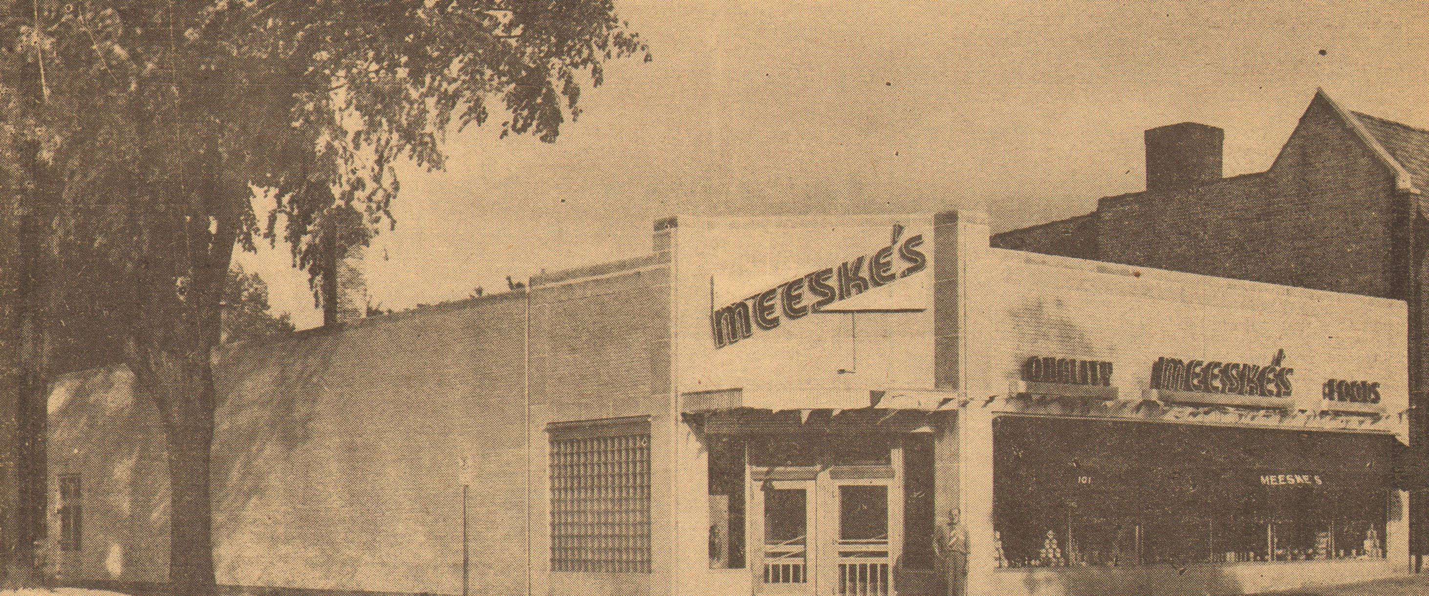 Meeske's Market moved to the corner of Main Street and Busse Avenue in 1950. The Central Continental Bakery is located there today.