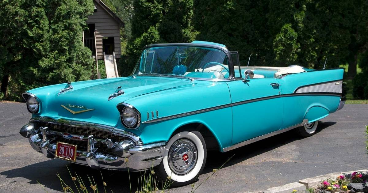 Turquoise '57 Chevy is a clear-cut classic