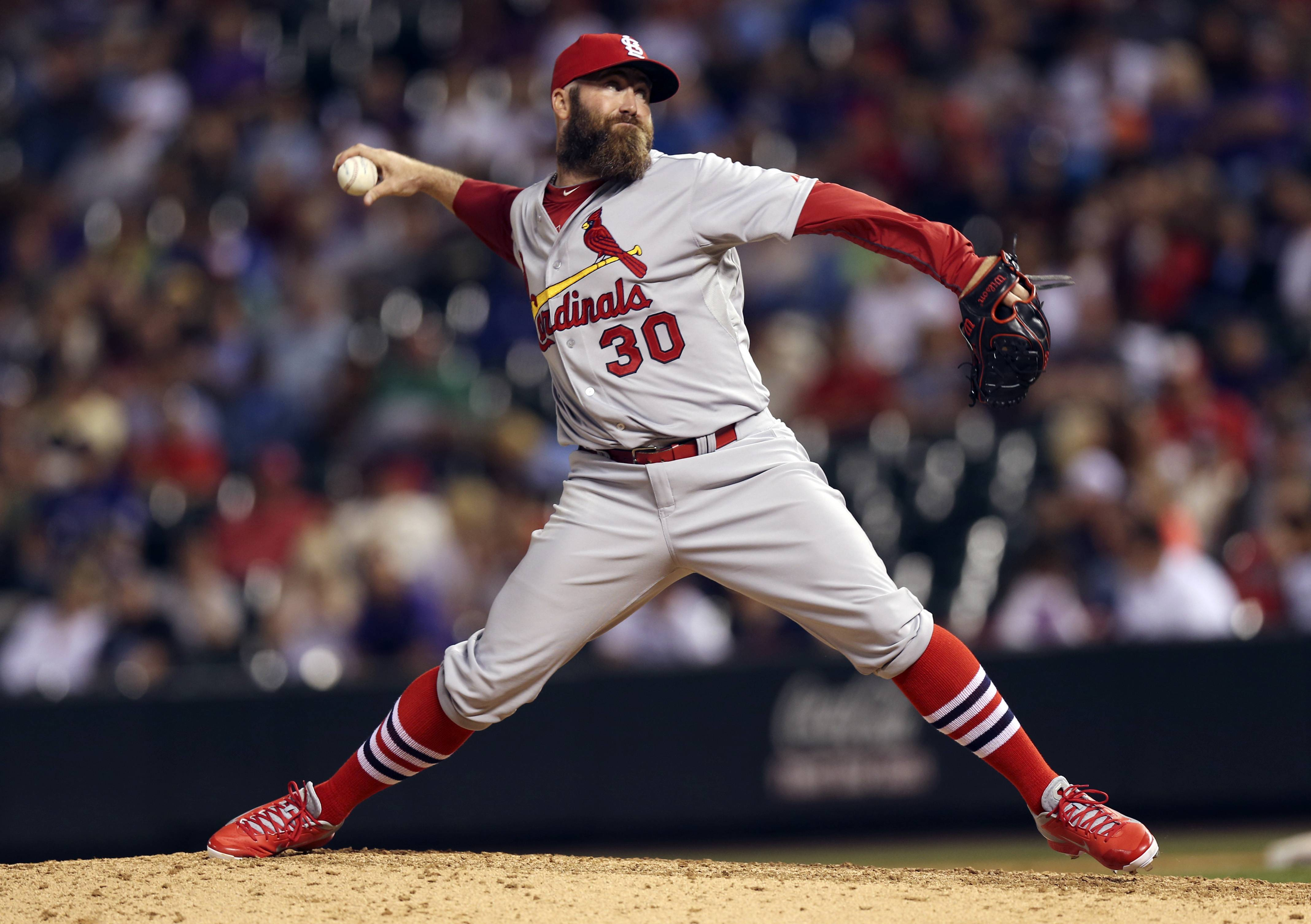 Former Cardinals relief pitcher Jason Motte has agreed to a $4.5 million, one-year contract with the Cubs. Motte was the closer for St. Louis in 2011 and 2012 before having elbow surgery in 2013.
