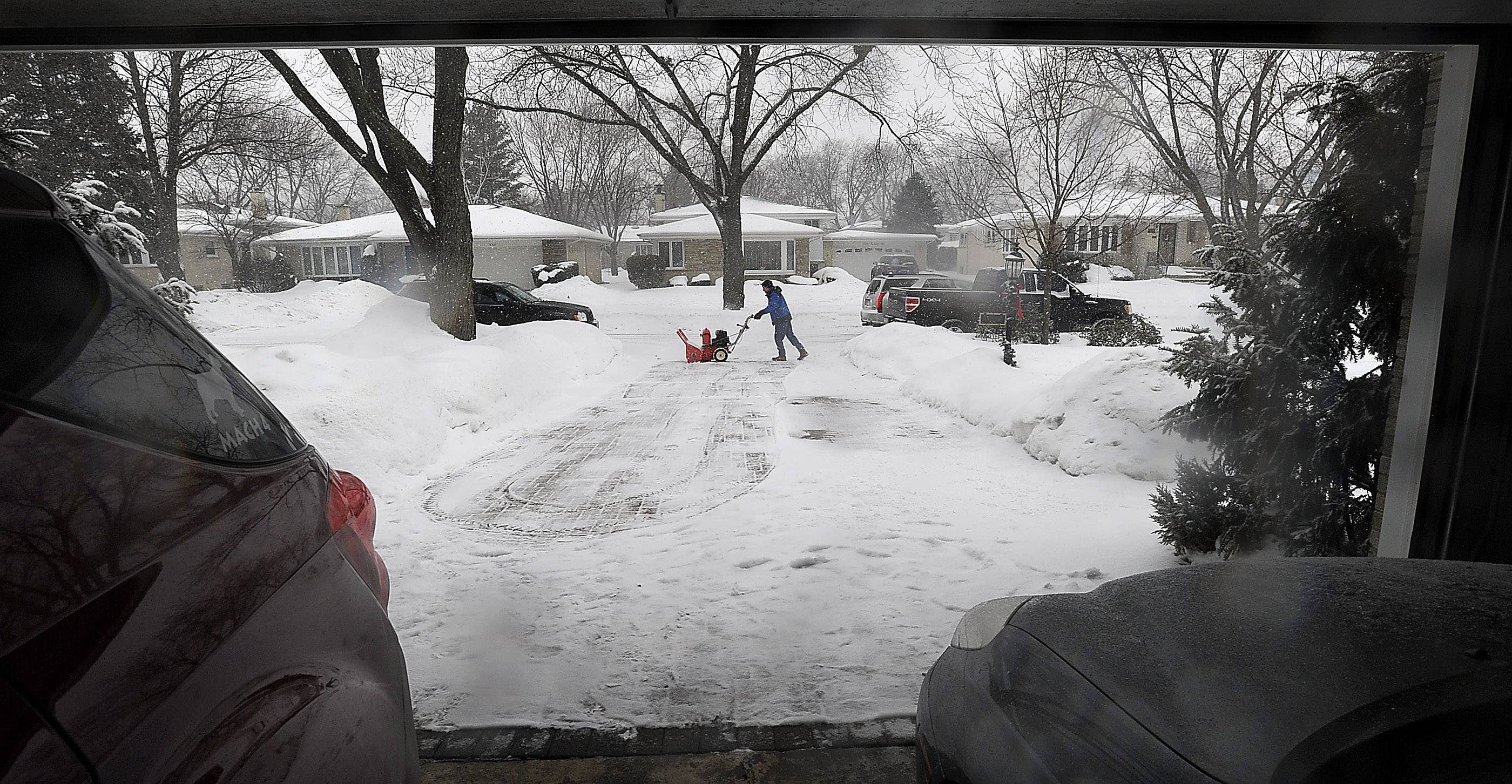 As soon as he clears his driveway in Des Plaines, Jim Sieburg, 57, heads across the street to clear the driveway of an elderly widow. As longtime residents, Sieburg, his wife, Tammy, and sons Troy and Cory have plowed plenty of sidewalks and driveways for needy neighbors.