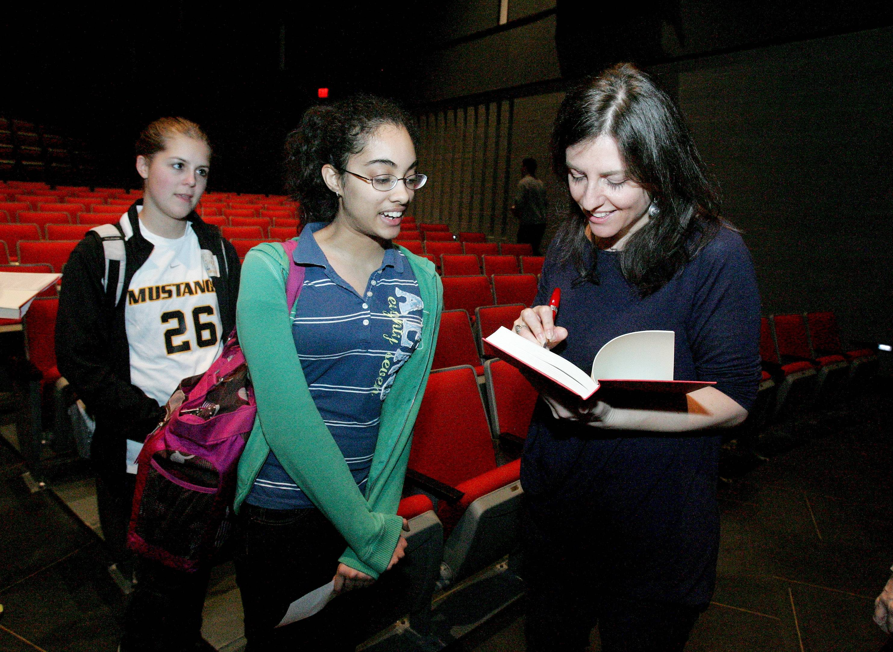 "Rebecca Skloot, whose nonfiction work ""The Immortal Life of Henrietta Lacks"" was part of Naperville READS 2011, met with fans but also visited a genetics class at Metea Valley High School in Aurora."