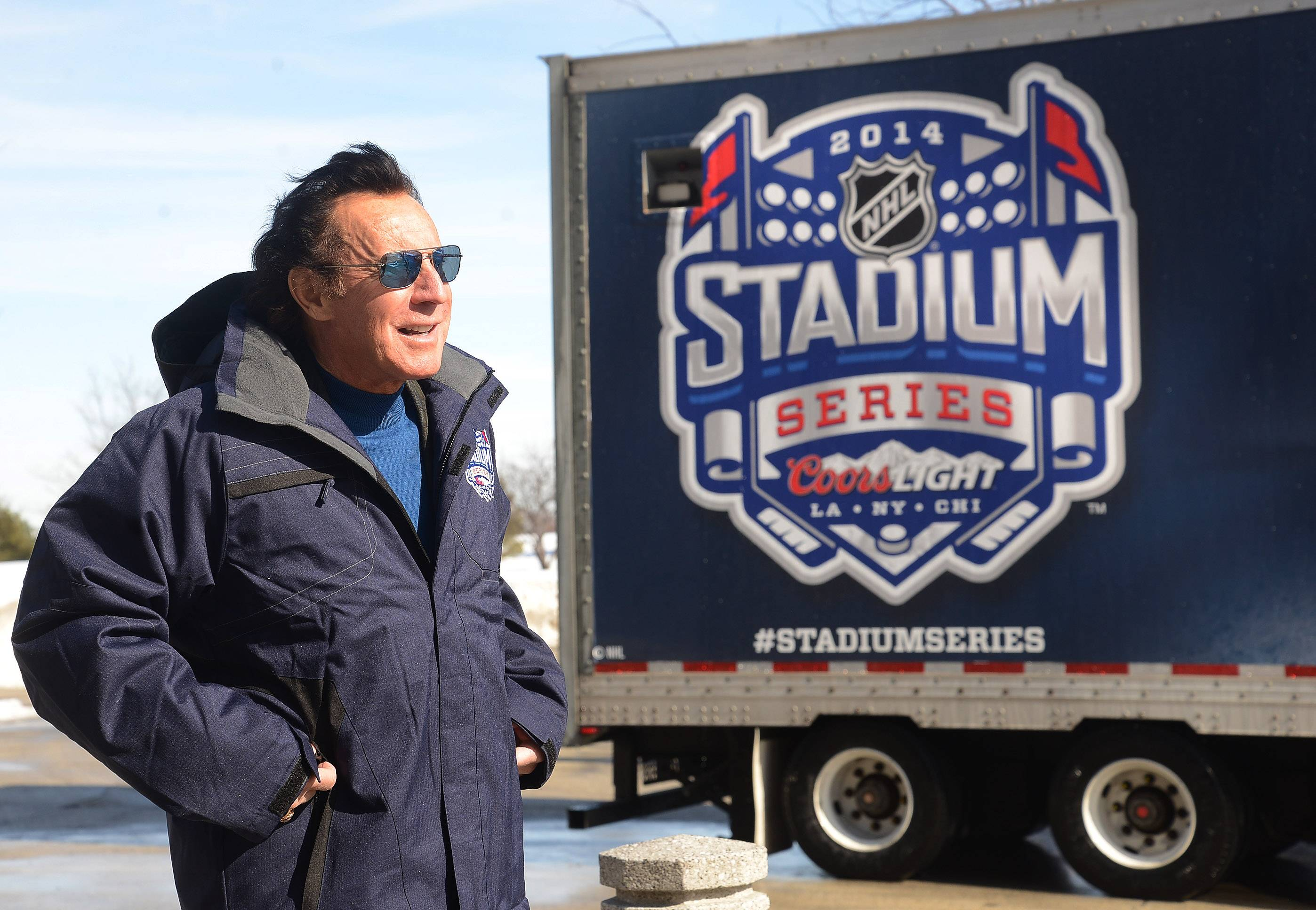 Blackhawks Hall of Famer Tony Esposito says NHL players love competing in the league's outdoor games. The Blackhawks will host the Pittsburgh Penguins in a sold-out game at Soldier Field on March 1.