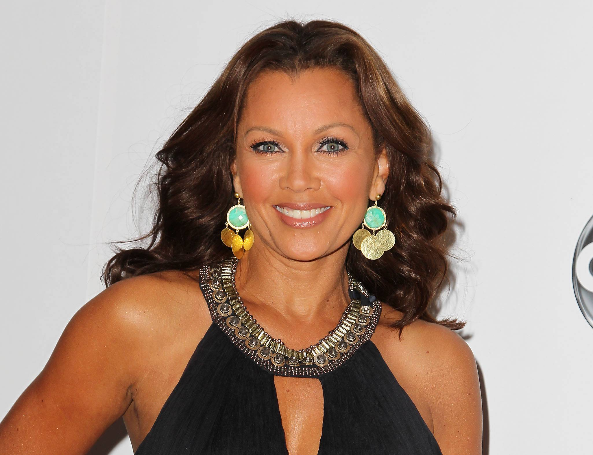 "Vanessa Williams announced after the matinee performance of ""After Midnight"" that she has signed up for a stint in the Broadway show celebrating Duke Ellington's years at the Cotton Club nightclub. She will start as a guest vocalist on April 1 and end May 11."
