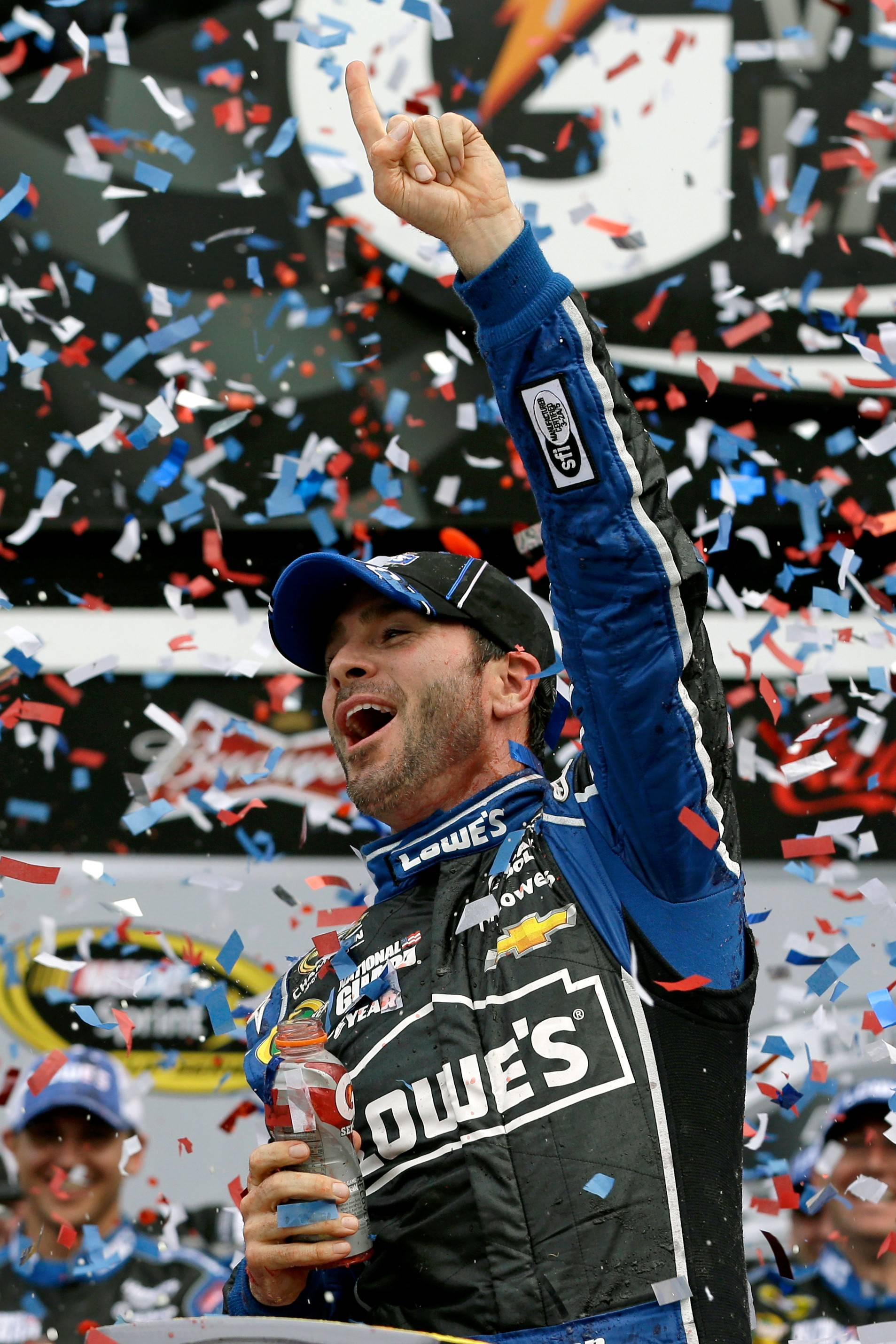 Jimmie Johnson hopes to repeat his 2013 Daytona win Sunday -- and go on to tie the record of seven Sprint Cup championships in a year.