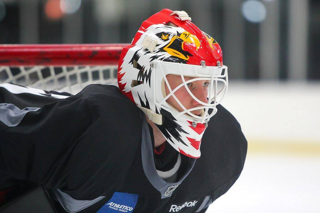 "The official Blackhawks Twitter account (@NHLBlackhawks) on Monday tweeted this picture of goalie Antti Raanta sporting a new mask with a familiar design -- you might remember it from Eddie ""The Eagle"" Belfour's goalie mask in the 1990s."