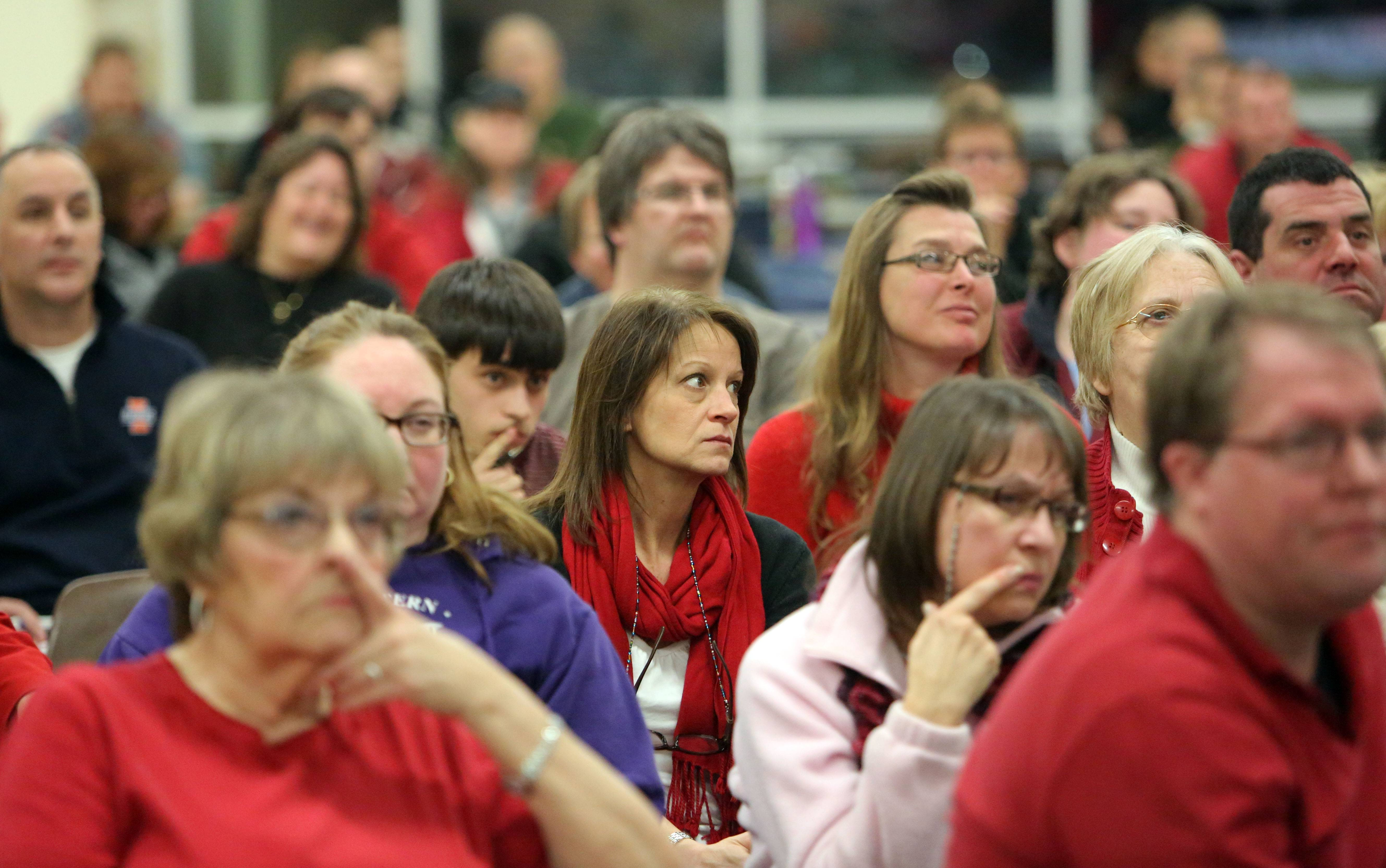 Wauconda administrator gives pitch for 911 outsourcing