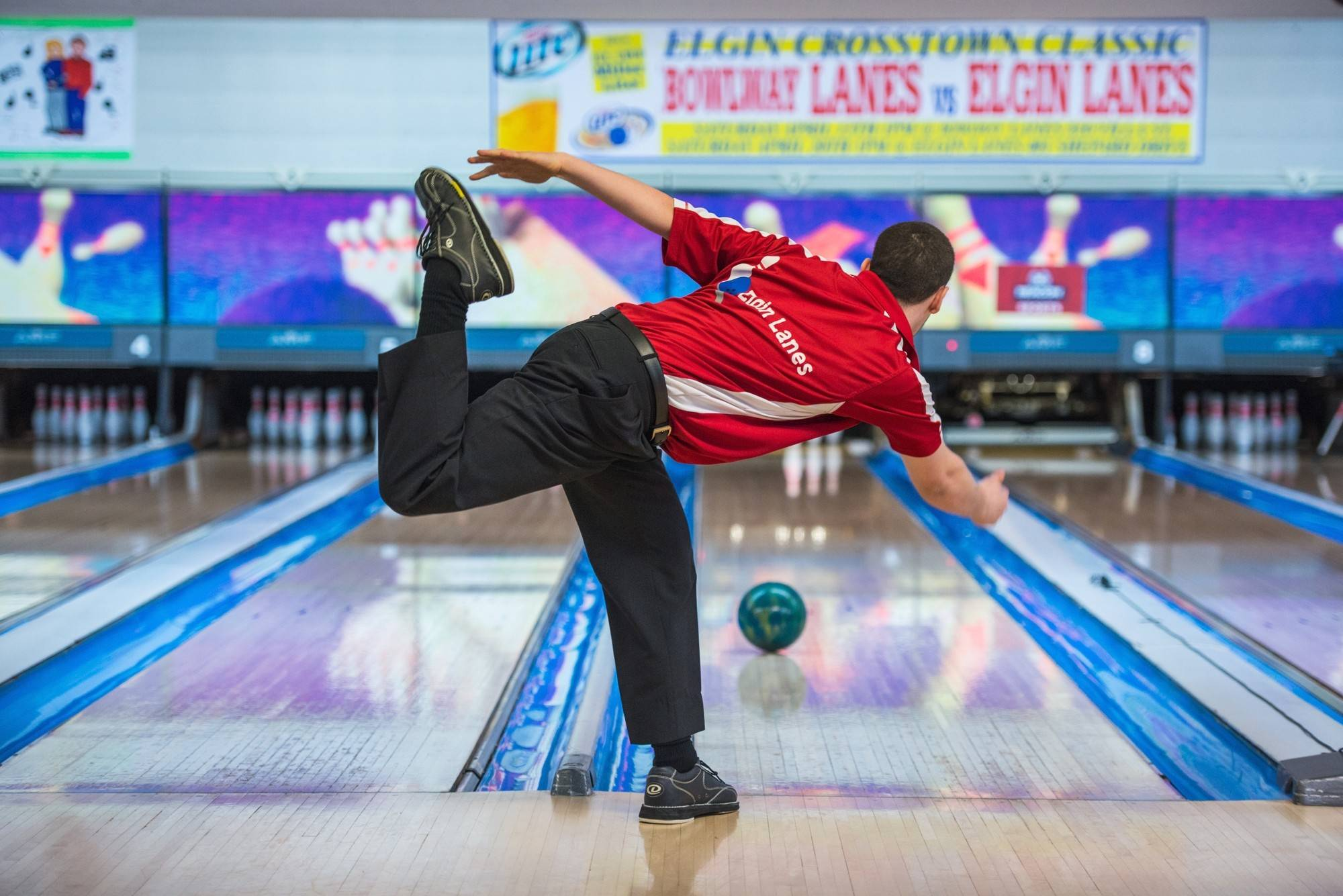 Drew Perly of Elgin displays his classic form during the inaugural Elgin Cross-Town Classic. He will return for the Elgin Lanes team this year.