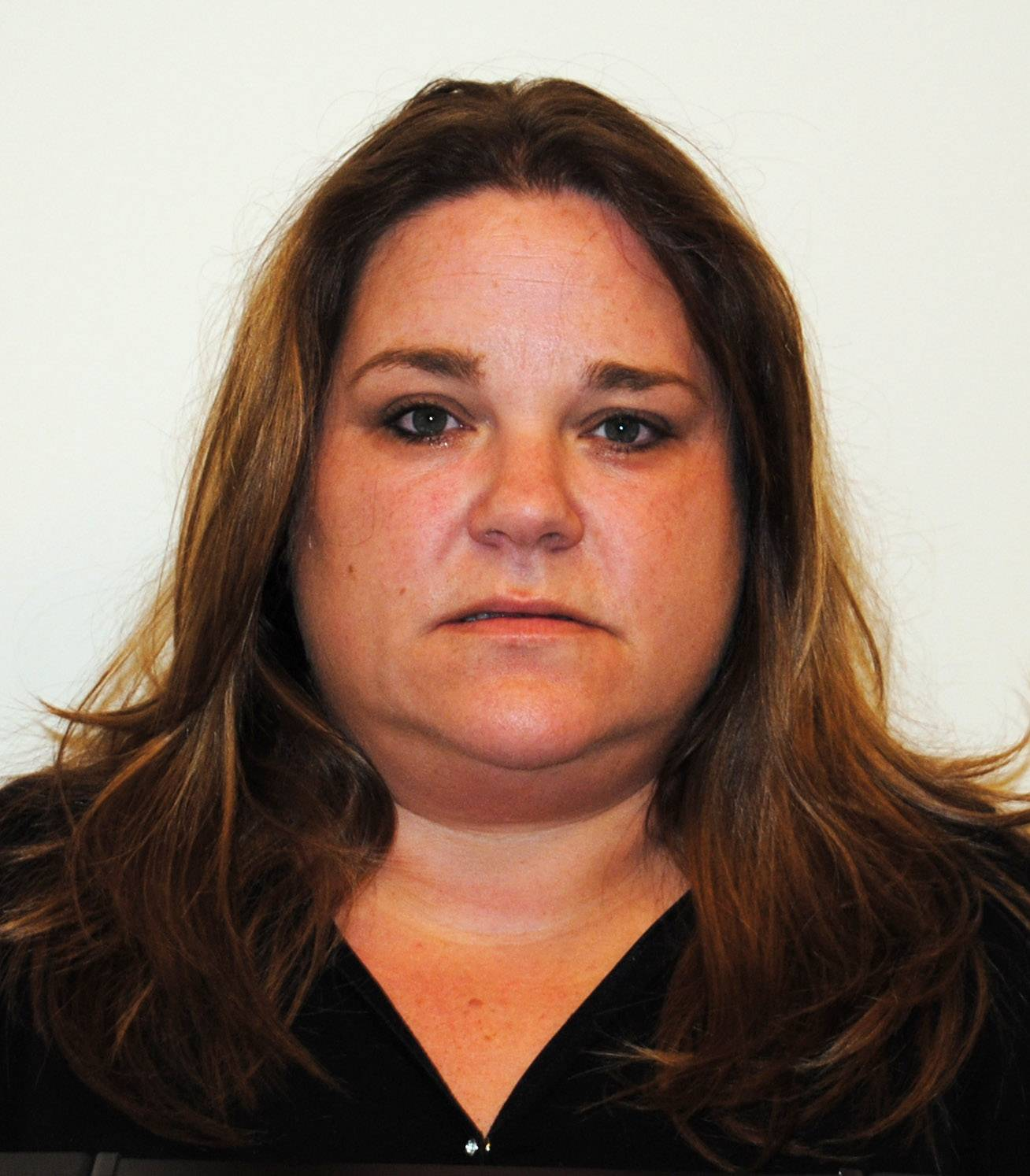 Prosecutor: Woman turns down plea deal in Lincolnshire theft case