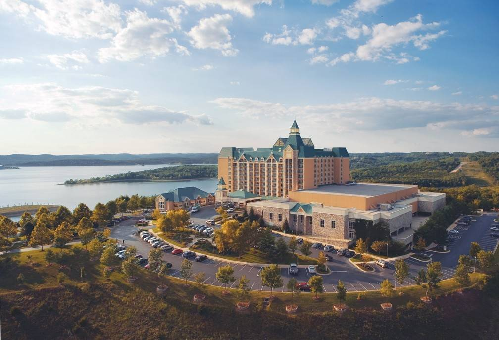 There are special spring break getaway deals available at the AAA Four-Diamond Chateau on the Lake Resort & Spa in Missouri.