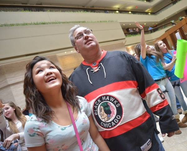 Girls go gaga for vine video boys at itasca meet and greet emma poxon and her father john of hebron ind look into the balcony m4hsunfo