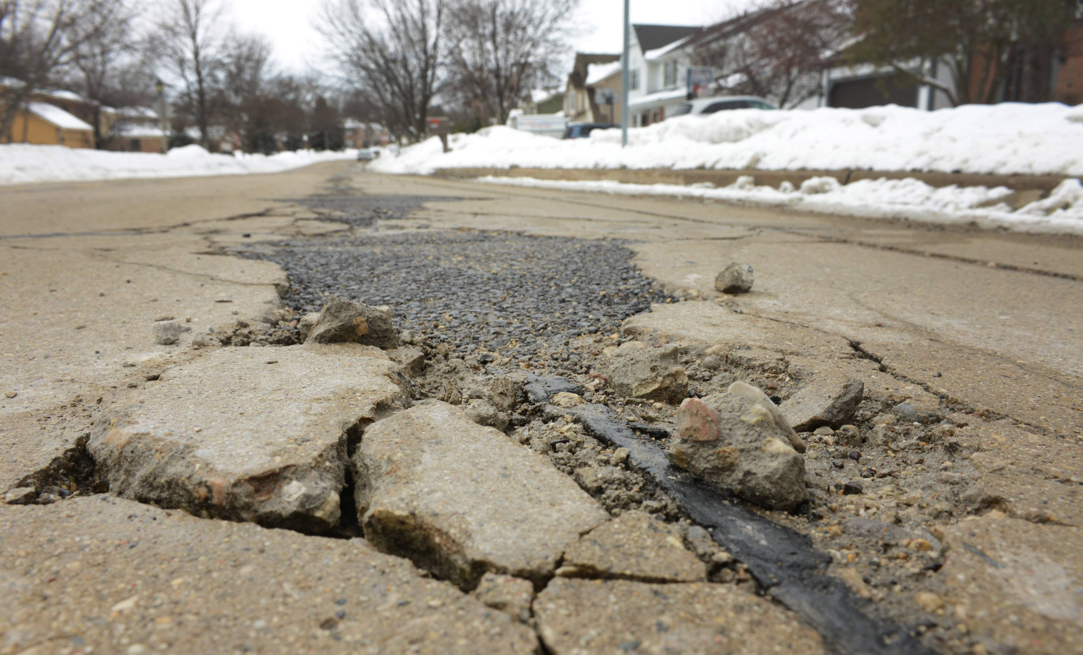 Libertyville officials are thinking spring as they prepare for the second year of a $20 million road rehab program. Included in the plans is Virginia Avenue, west of Butterfield Road.