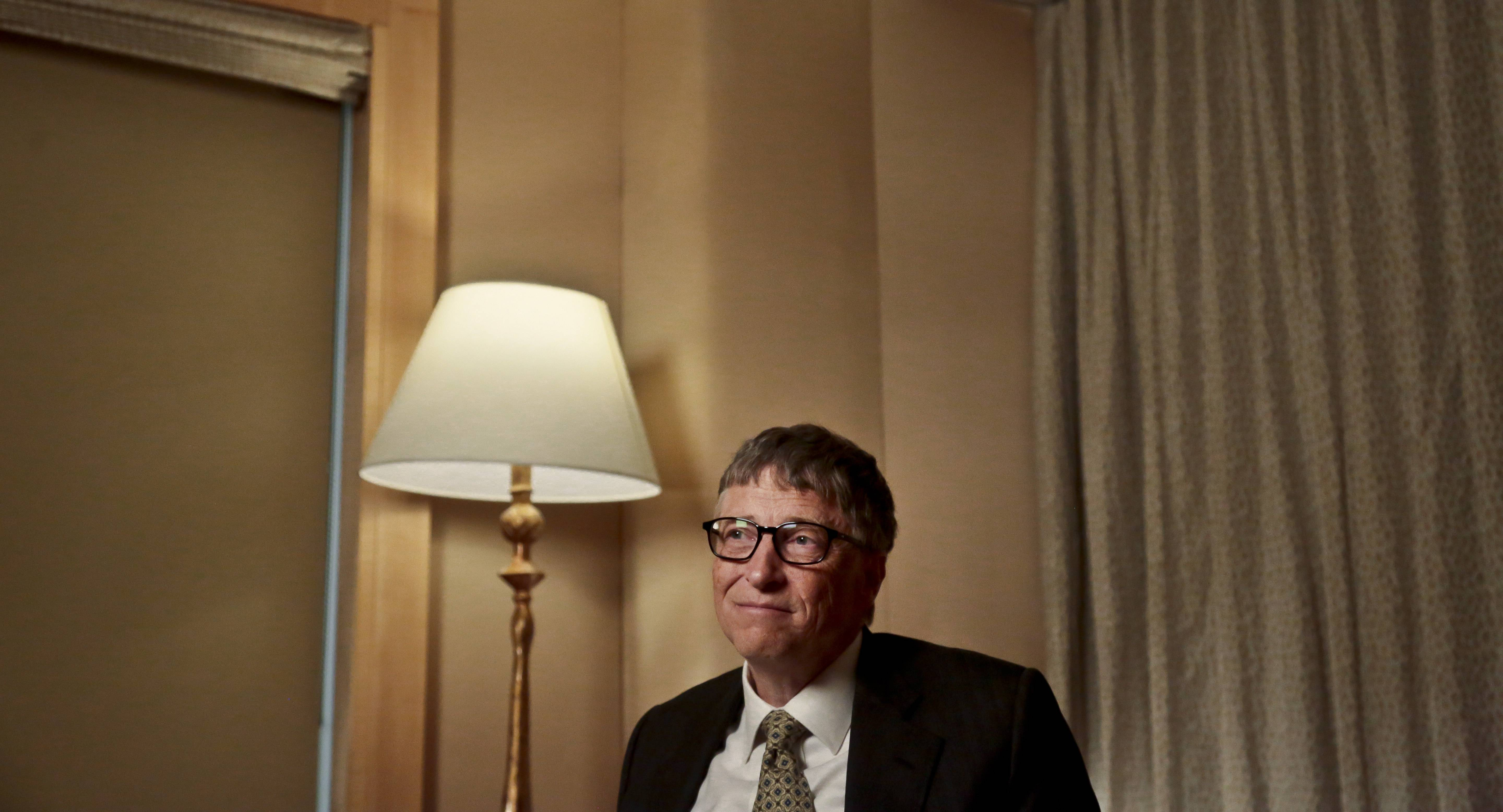 Microsoft co-founder Bill Gates is back on top of the list of the world's richest people after a four-year hiatus.