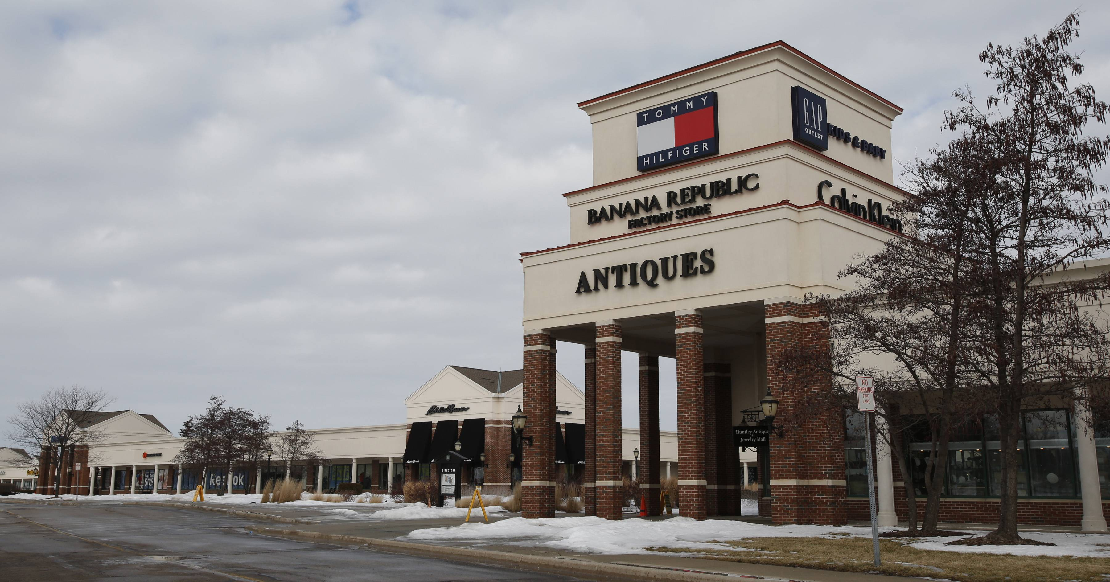 Huntley Outlet Center officials hope the new interchange at I-90 and Route 47 will attract retailers looking for space at the mall.