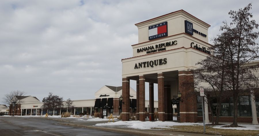 13486093750 Suburban outlet malls fight to stay viable