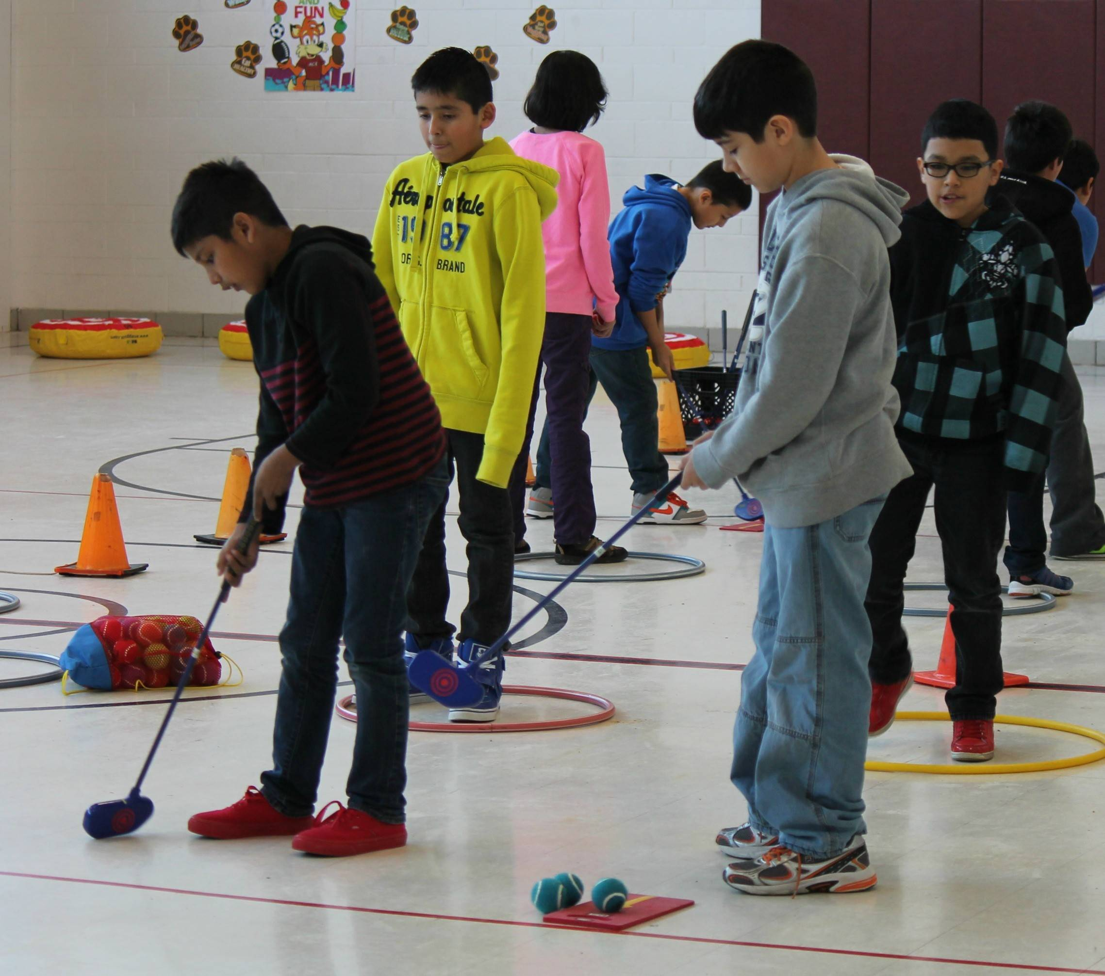Elementary students in West Chicago District 33 will learn basic golf skills along with character and health education as part of their physical education classes.