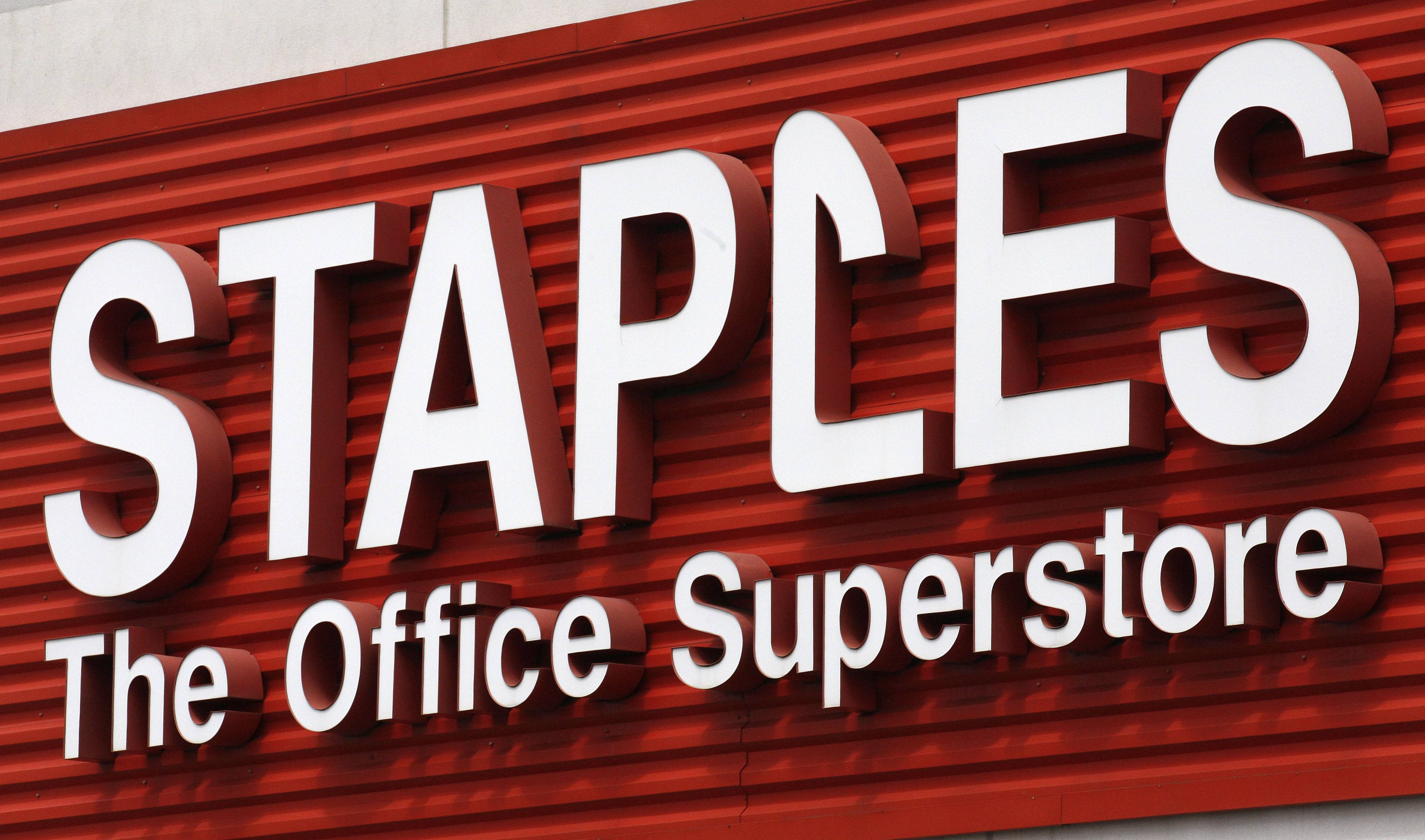 Staples will close 225 stores by the end of next year and the office-supply retailer is initiating a plan to save about $500 million annually by 2015,