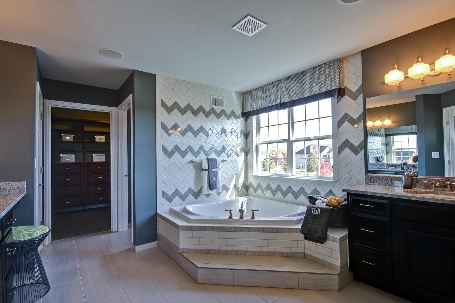 The master bath in the Harvard model has both a tub and large, walk-in shower.