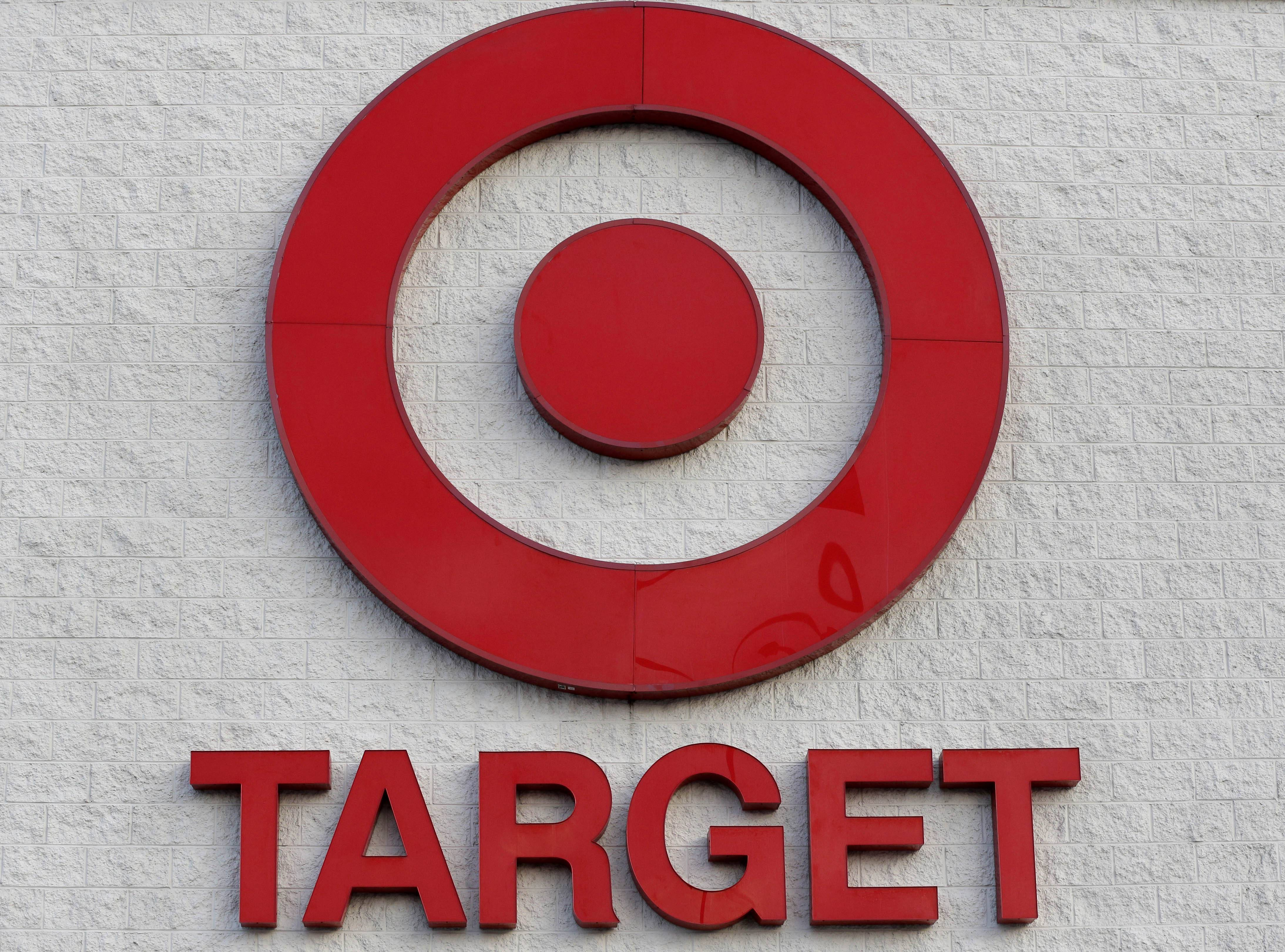 A massive data breach at Target Corp. that exposed tens of millions of credit card numbers has focused attention on a patchwork of state consumer notification laws and renewed a push for a single national standard.