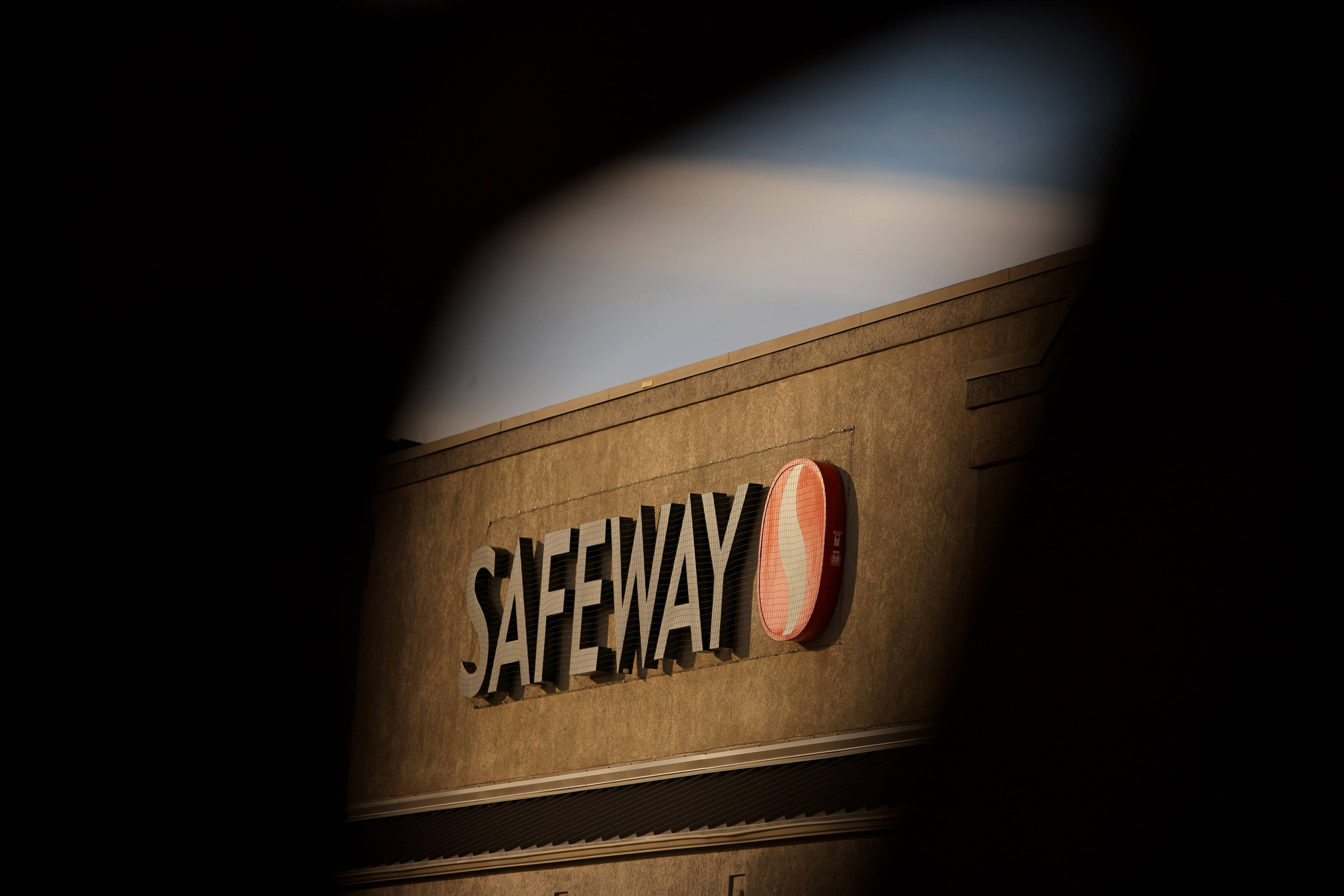 A takeover of Safeway Inc. at the industry's lowest valuation in almost a decade may be the best that investors in the second-largest U.S. grocery chain can get.