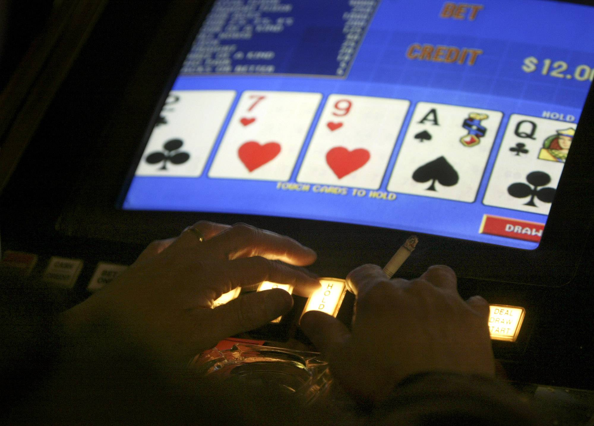 The Rolling Meadows City Council turned down video gambling Tuesday on a tie 3-3 vote broken by Mayor Tom Rooney.