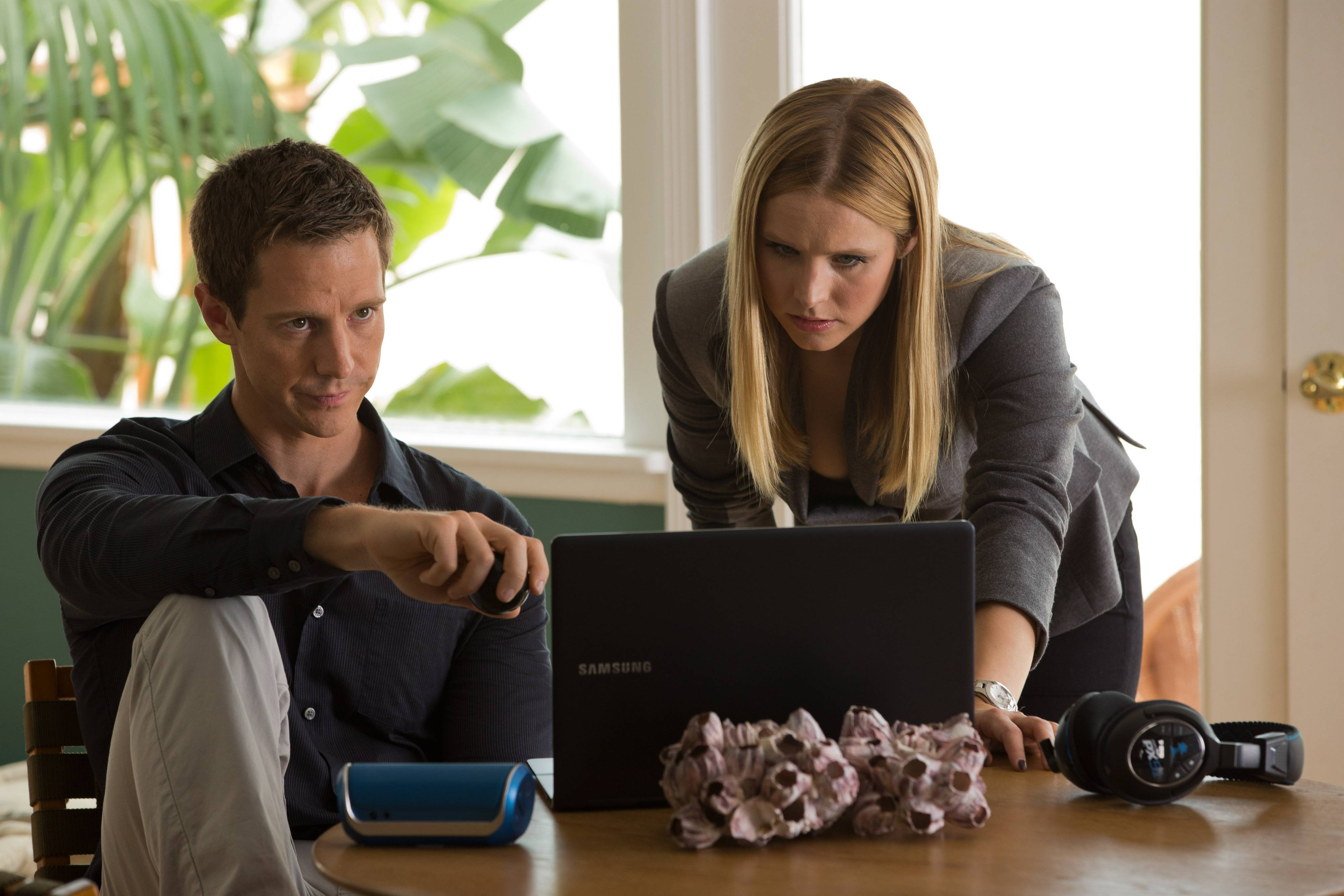 "Veronica (Kristen Bell) lends a hand when an ex-boyfriend Logan (Jason Dohring) is suspected of murder in the film ""Veronica Mars."""
