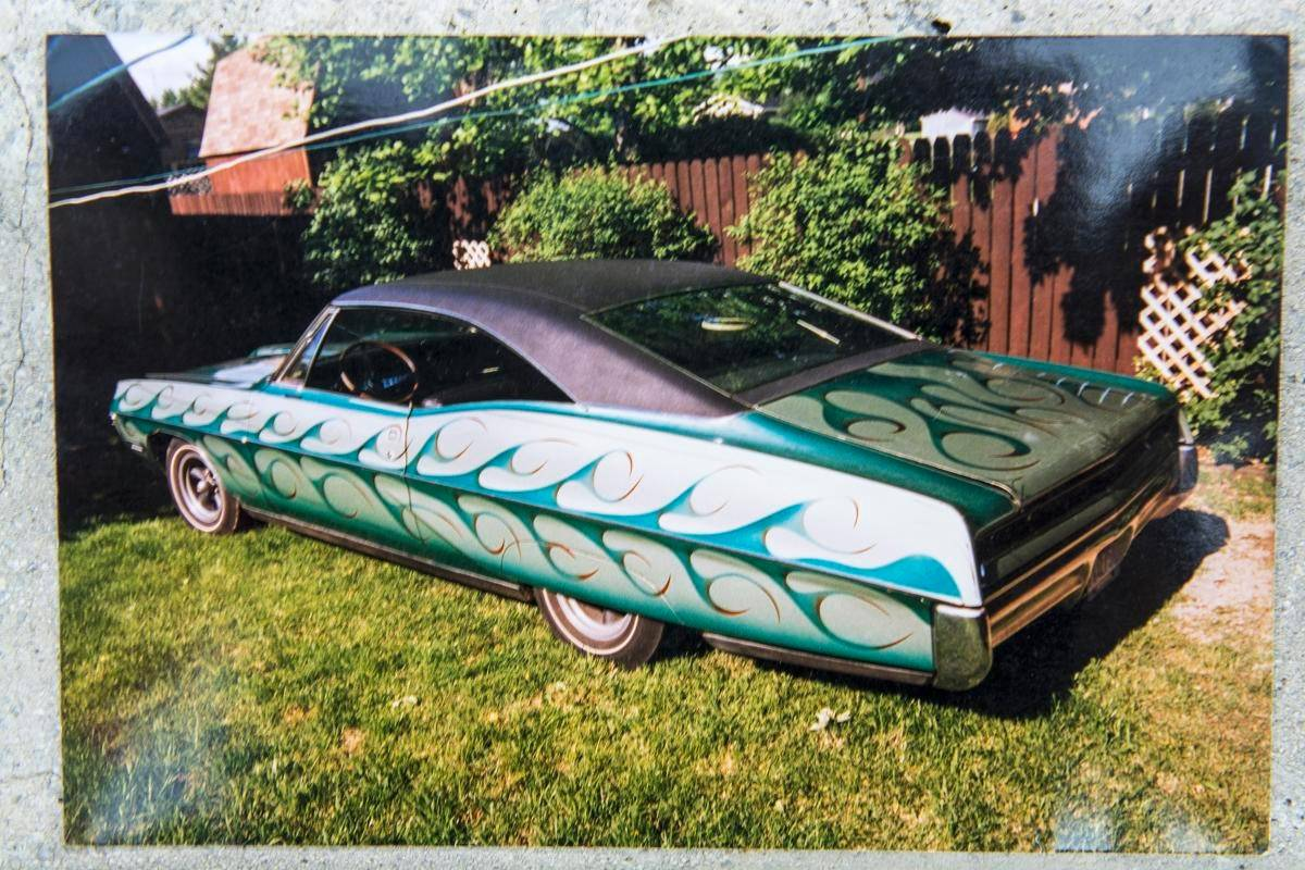 The custom paint job was not the Ventura's only modification. The door handles were also shaved and a parquet floor added in the trunk.