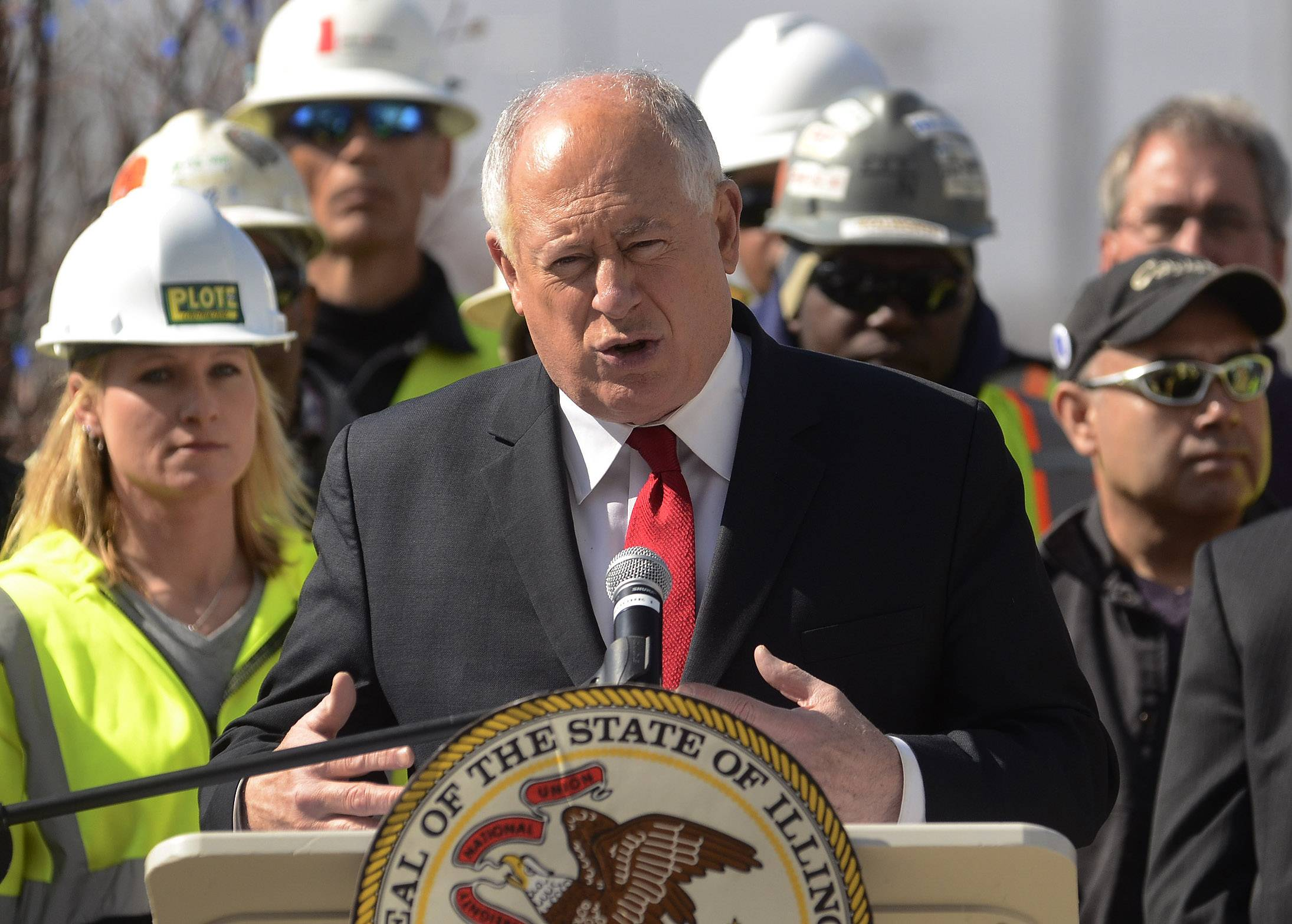 Gov. Pat Quinn announces a $1.4 billion improvement project for the Illinois Tollway in Schaumburg Friday morning.