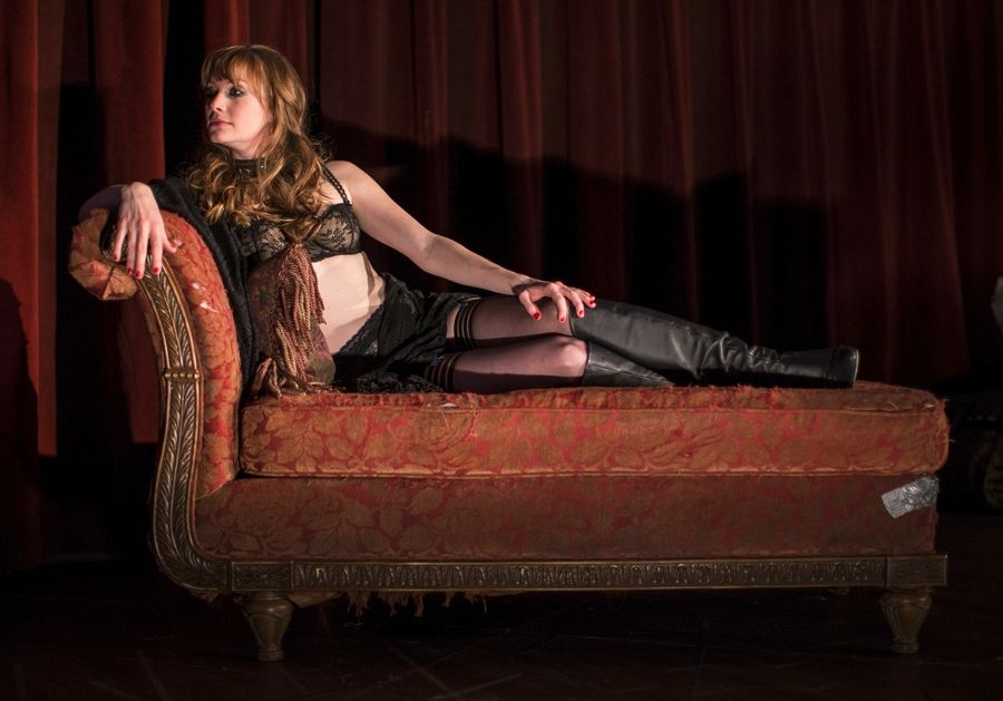 "Amanda Drinkall stars in Goodman Theatre's Chicago-area premiere of ""Venus in Fur."""