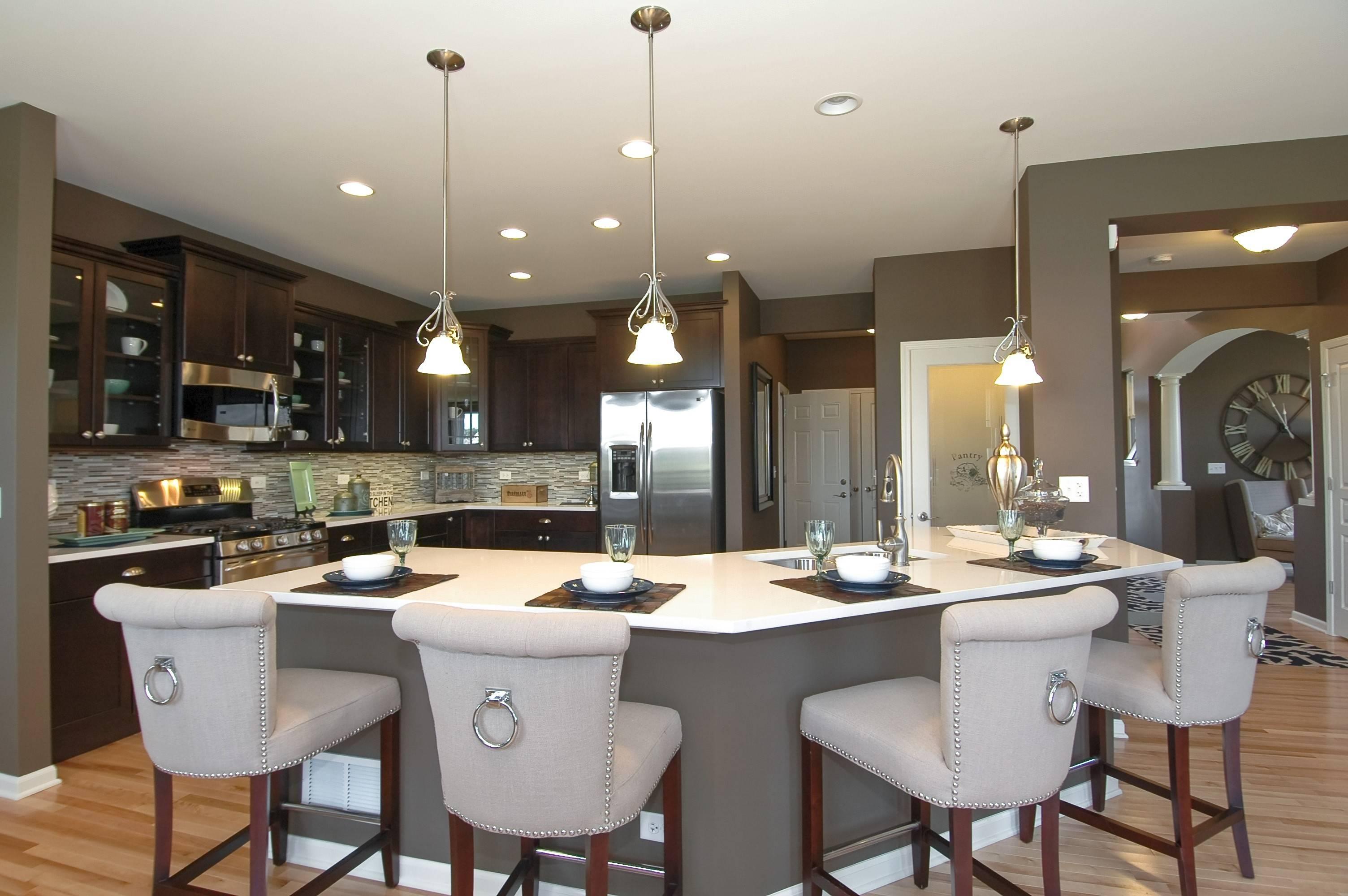Modern Floor Plans Maximize Open Spaces
