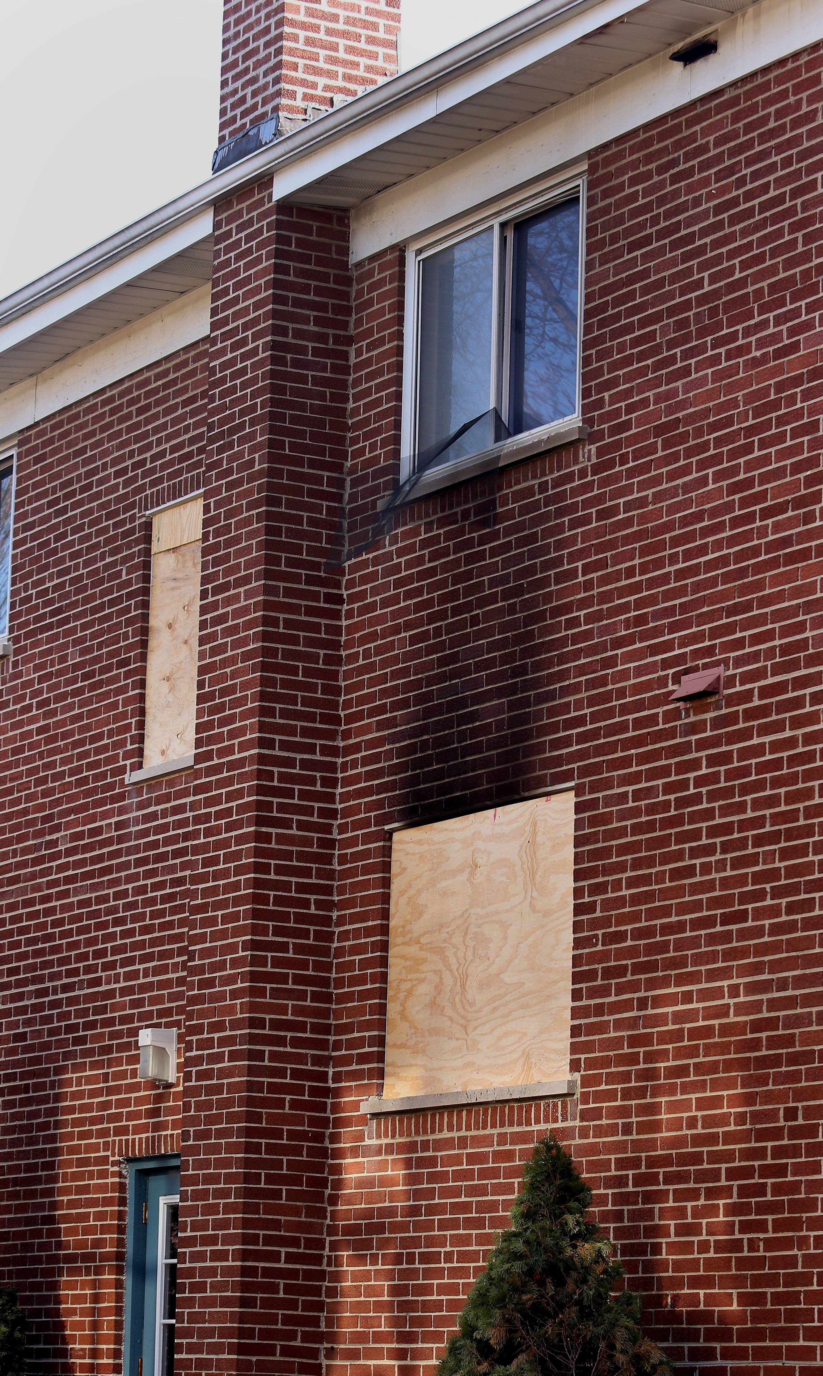 Naperville firefighters are investigating the cause of a blaze that killed one person Thursday night in an apartment building on the 100 block of Douglas Avenue.