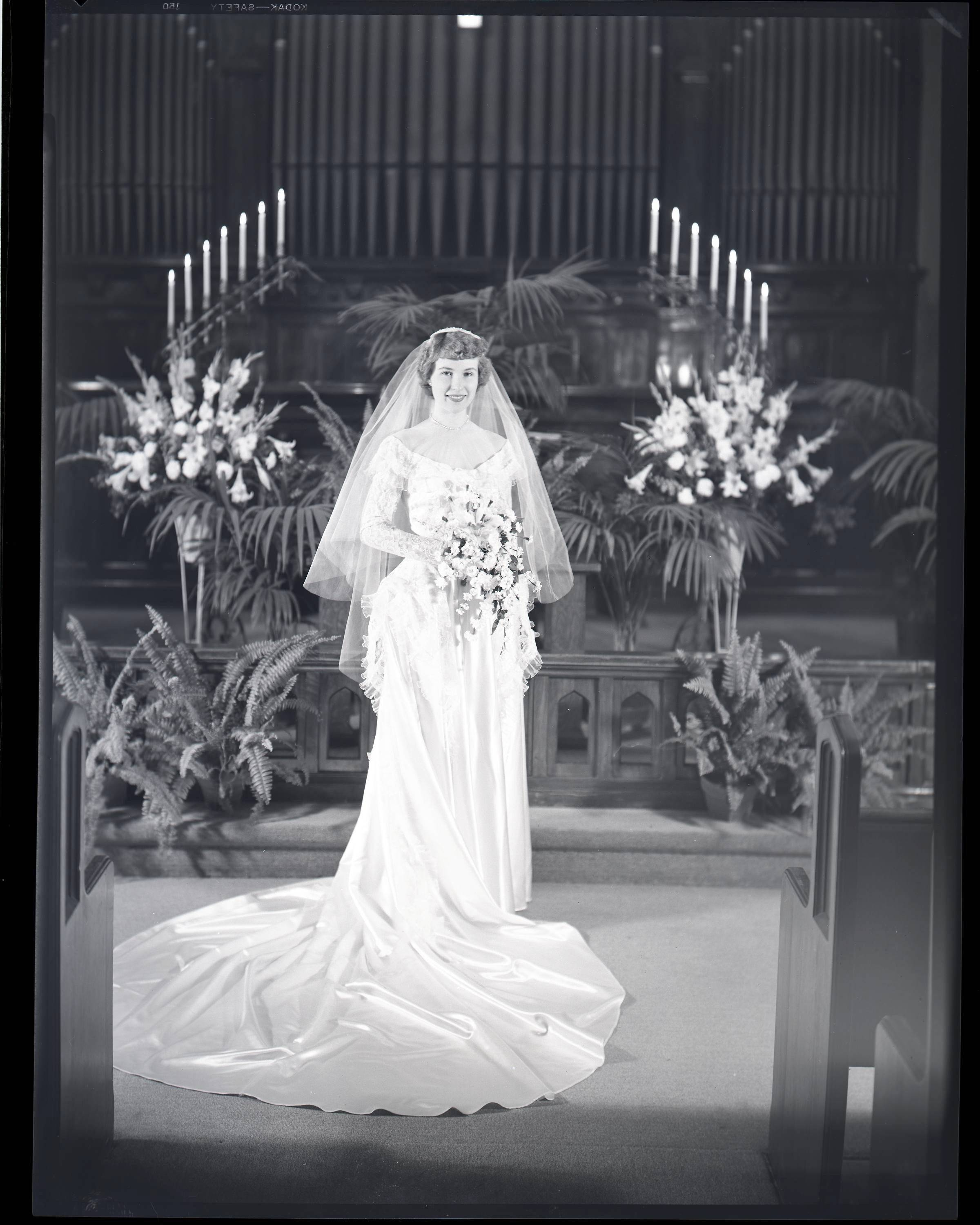 Dale Moorhouse of Elgin has hundreds of vintage wedding photos, dating from the 1940s and '50s, which he'd like to identify. More of his collection can be viewed online at www.turn2dale.phanfare.com/.
