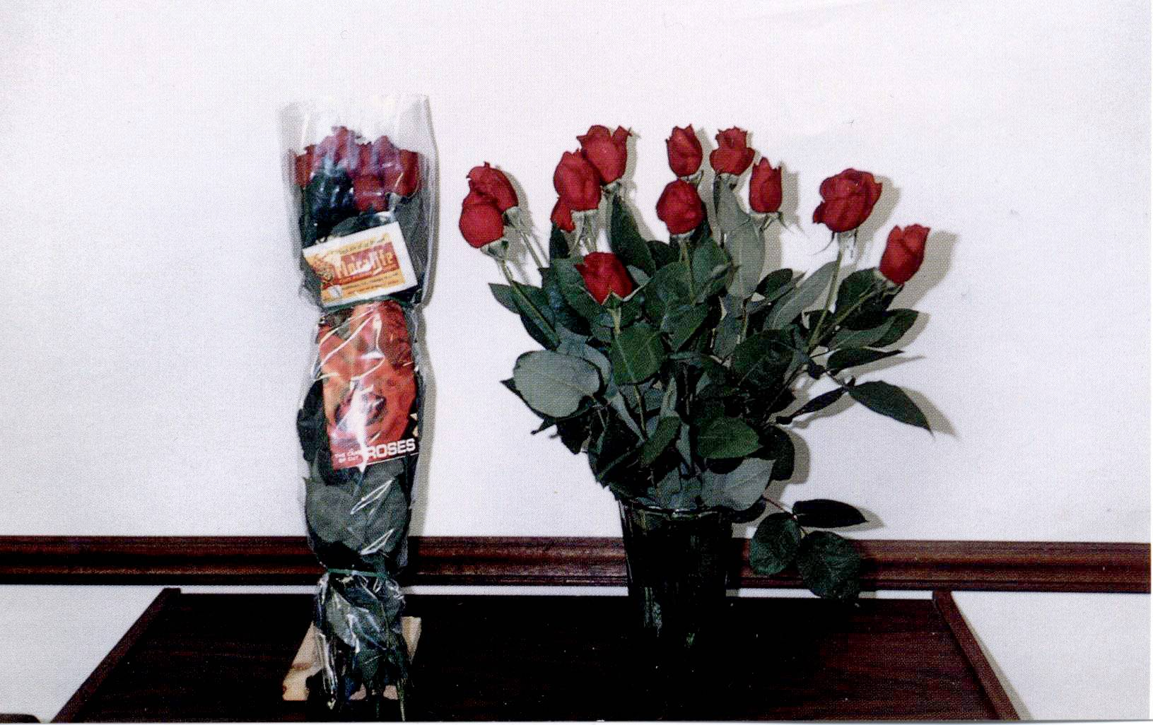 The Elgin Lions Club is taking orders for its annual Rose Day fundraiser.