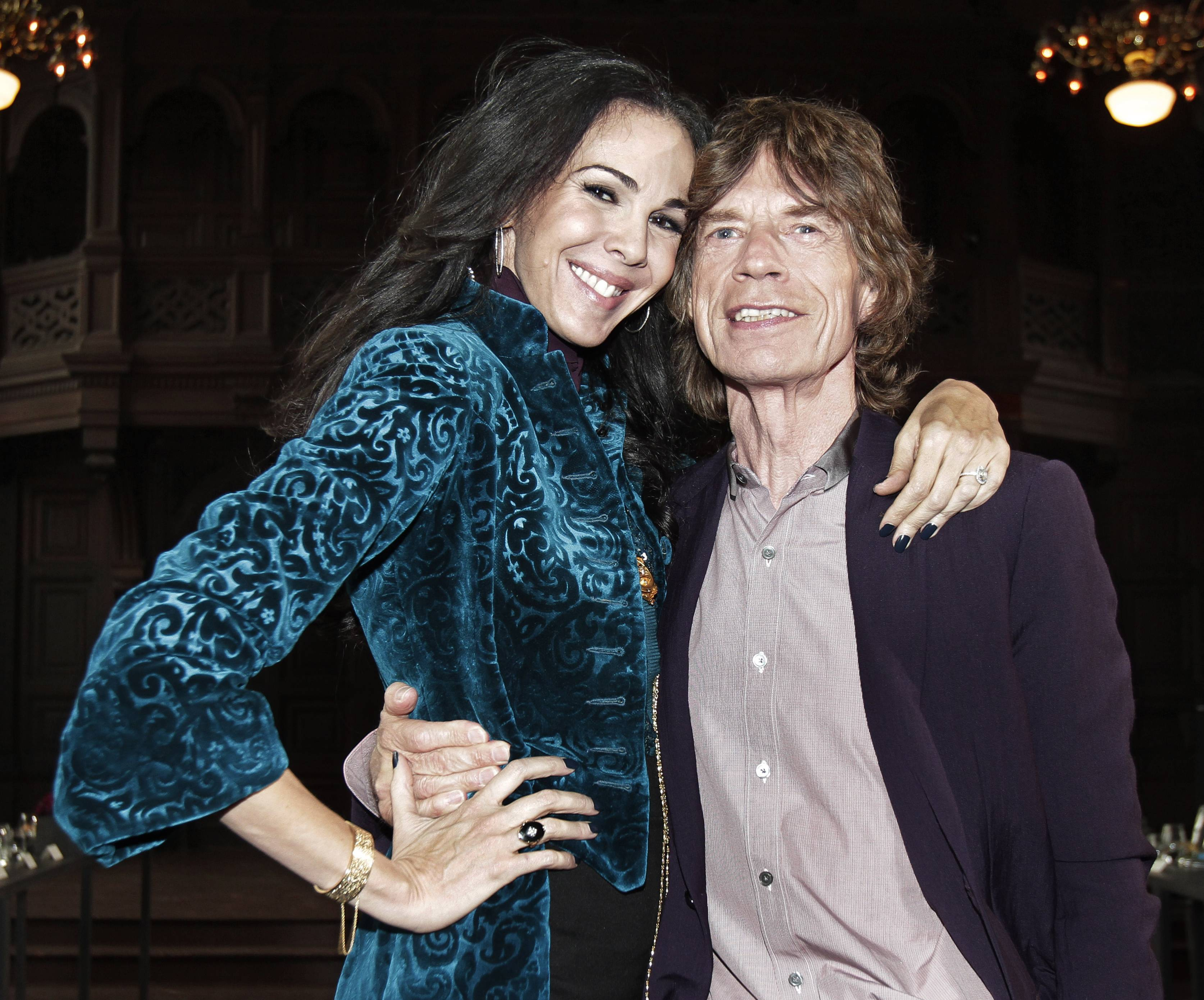 Designer L'Wren Scott has left her entire estate to longtime boyfriend and Rolling Stones frontman Jagger. Scott committed suicide on March 17 in New York.