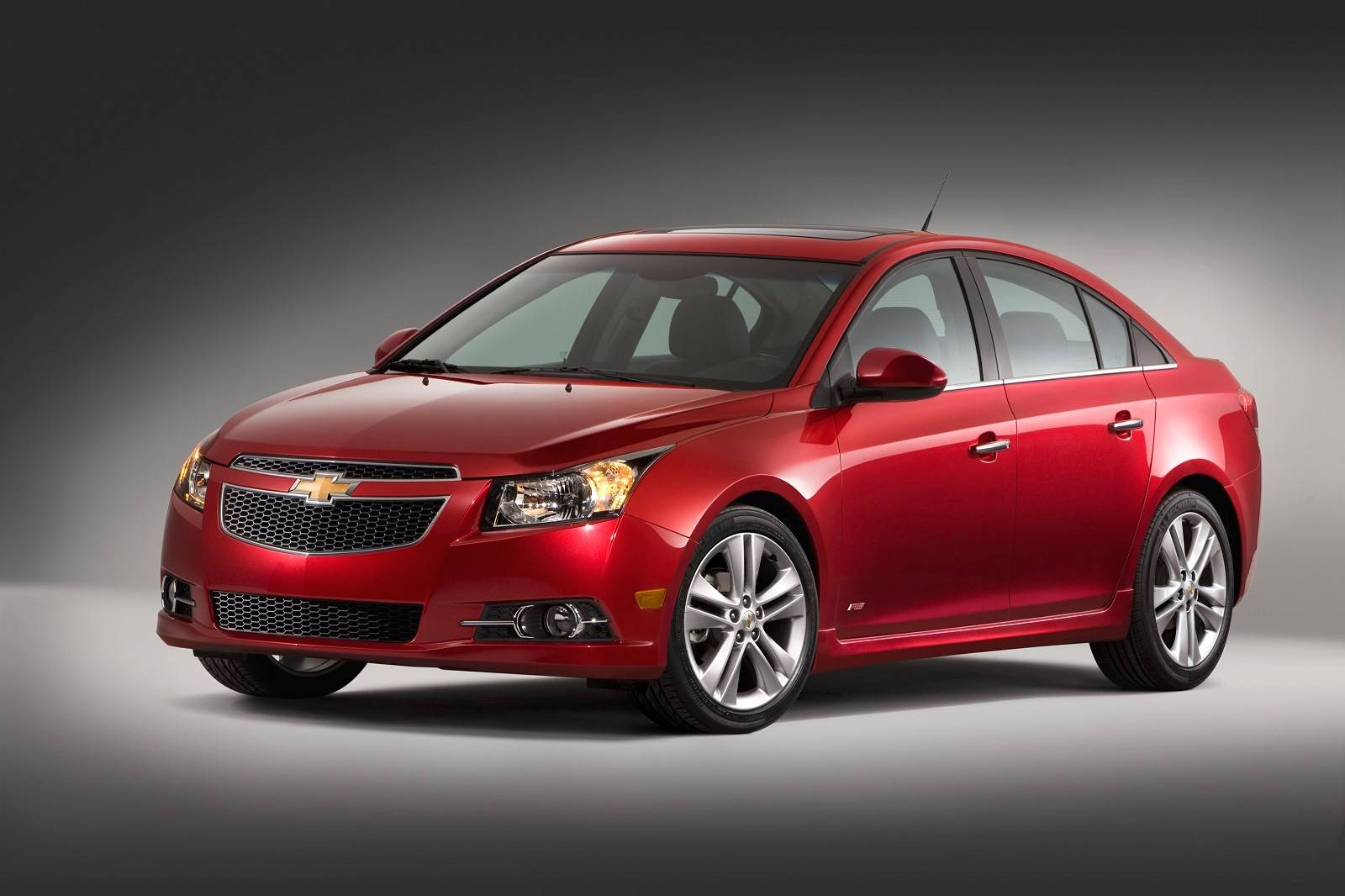 General Motors has told dealers to stop selling some 2013 and 2014 Chevrolet Cruze compact cars.