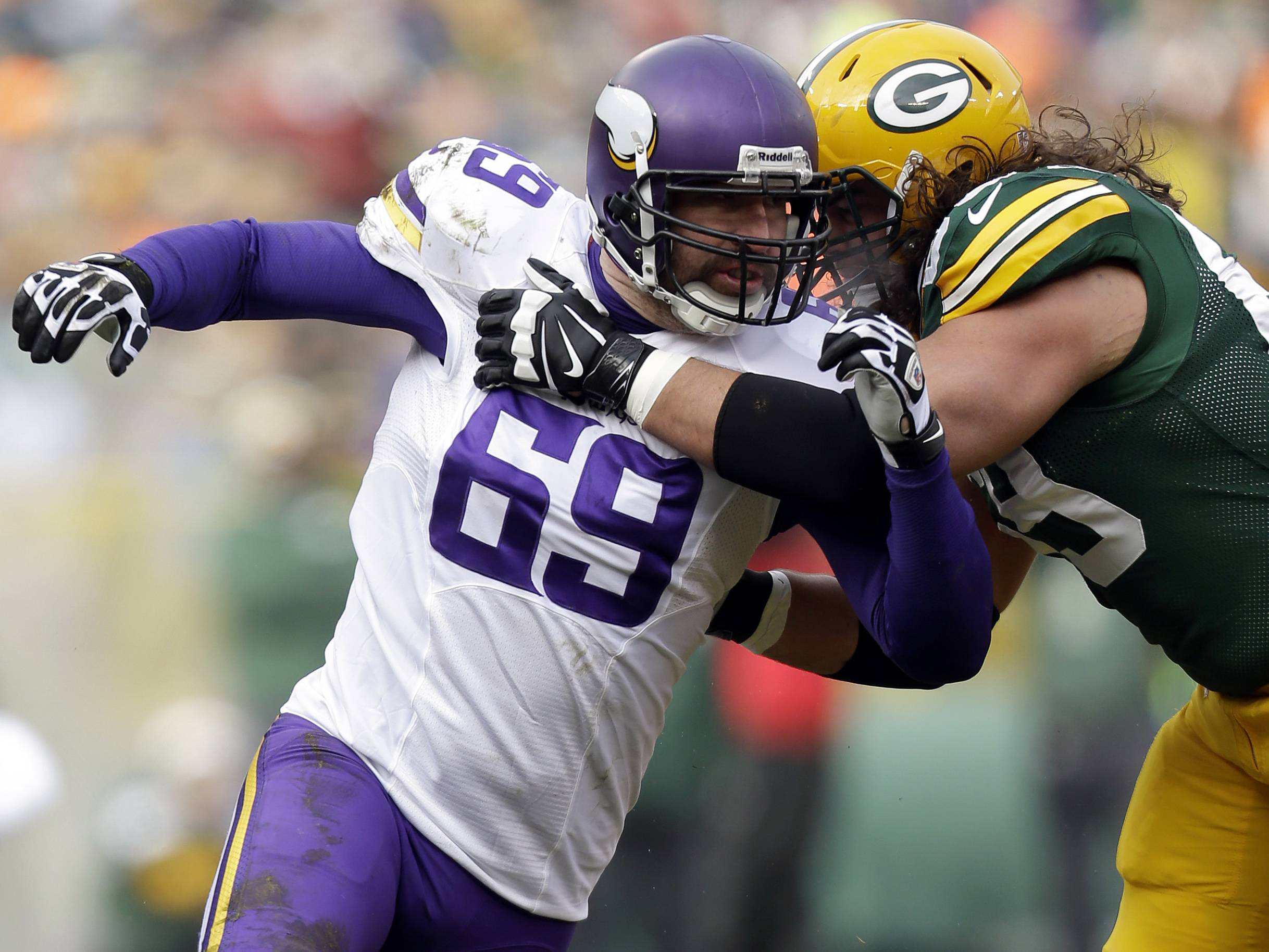 Former Minnesota Vikings defensive end Jared Allen should be a big help to a Bears defense that struggled last season. If the Bears stay healthy, Mike North believes they'll make the playoffs.