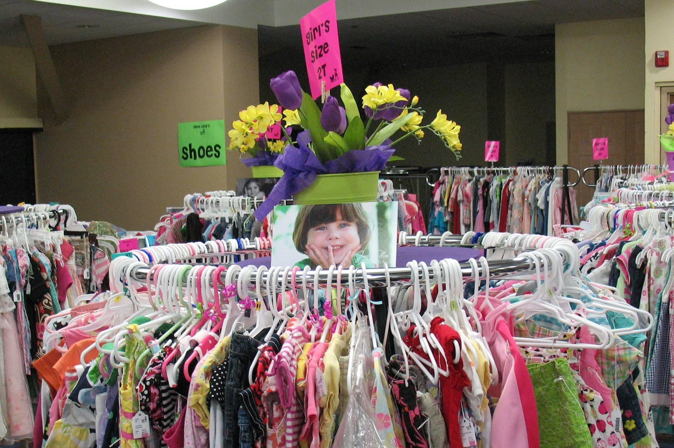 Rhea Lana's of West Chicagoland based in Addison is a resale concept franchise.