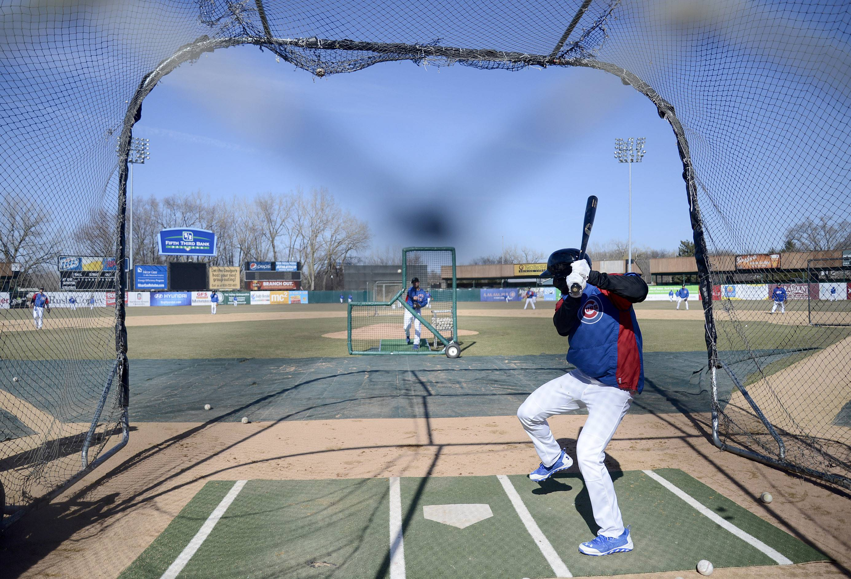 Kane County Cougars outfielder Shawon Dunston Jr. takes in some batting practice in Geneva on Tuesday.